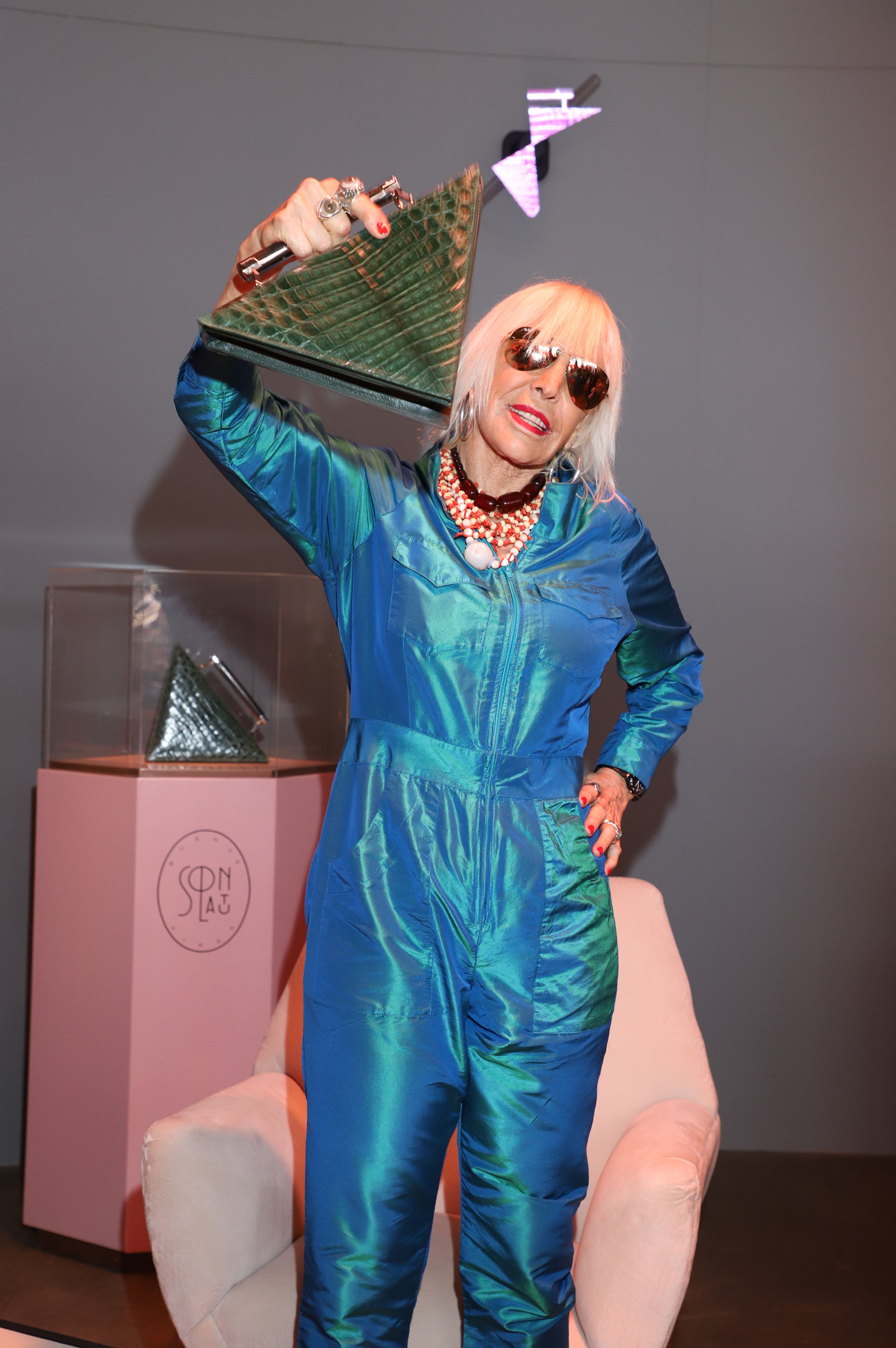 """Marta es la nueva pieza de la colección Art Decó de la marca, una línea exclusiva de """"carteras-joya"""" inspirada en el Art Déco de la ciudad de Buenos Aires"""