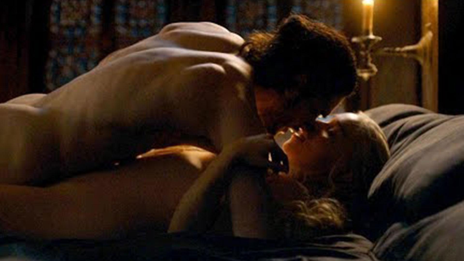 """La incomodas escenas de sexo entre Kit Harington y Emilia Clarke en """"Game of Thrones"""""""