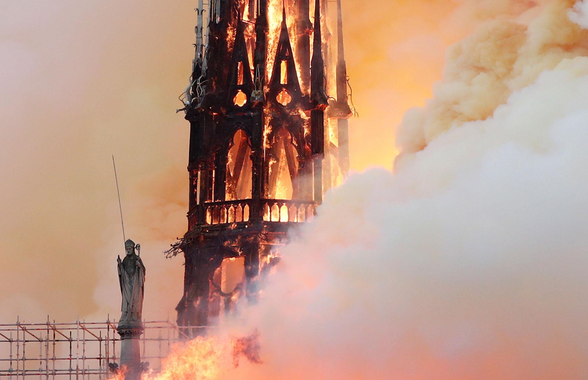 Distintos jefes de estado en todo el mundo lamentaron el incendio (Foto: REUTERS/Benoit Tessier)