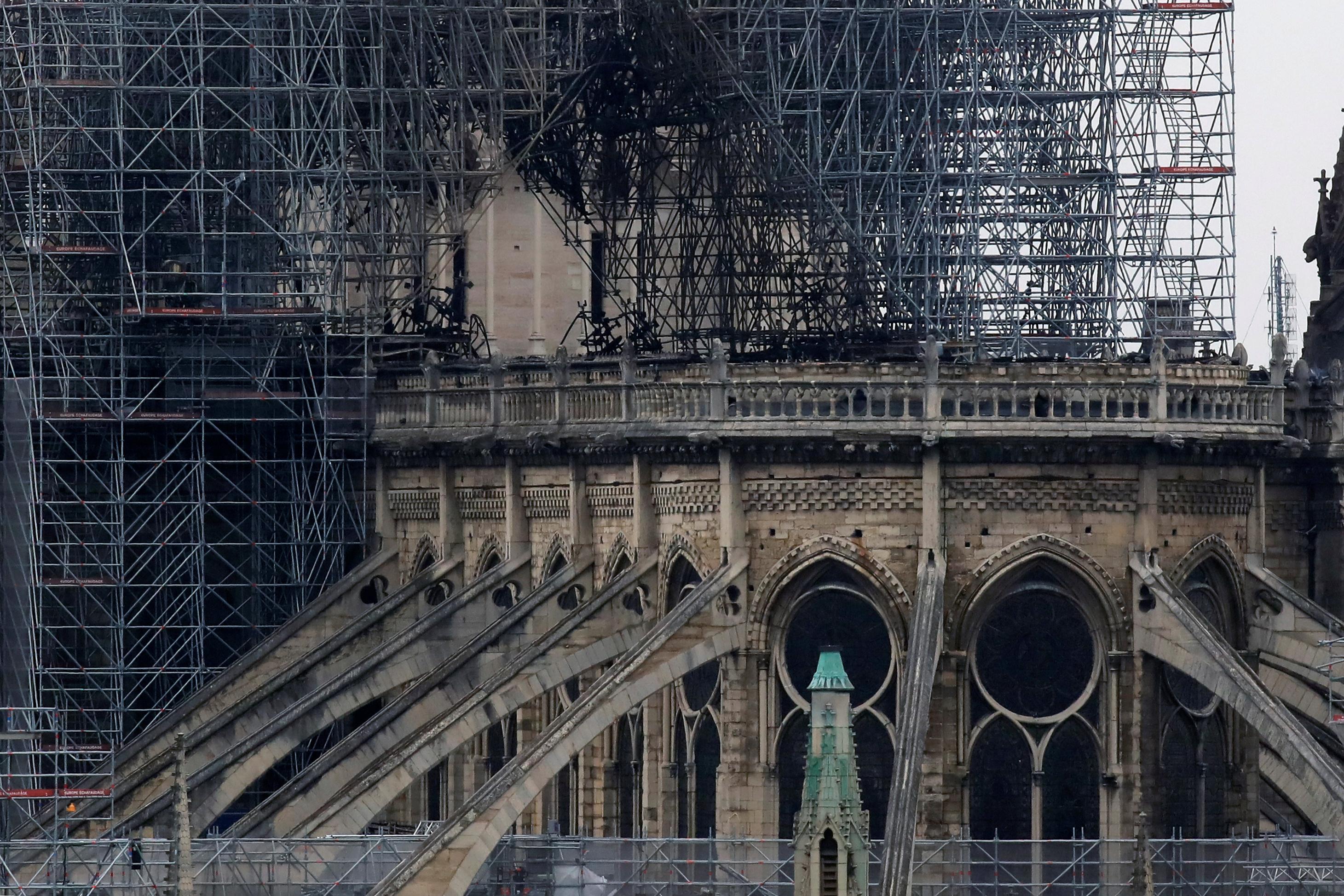Han quedado en pie las dos torres y la fachada íntegramente y, según los primeros elementos, el principal órgano -había tres- se ha salvado aunque habrá que restaurarlo