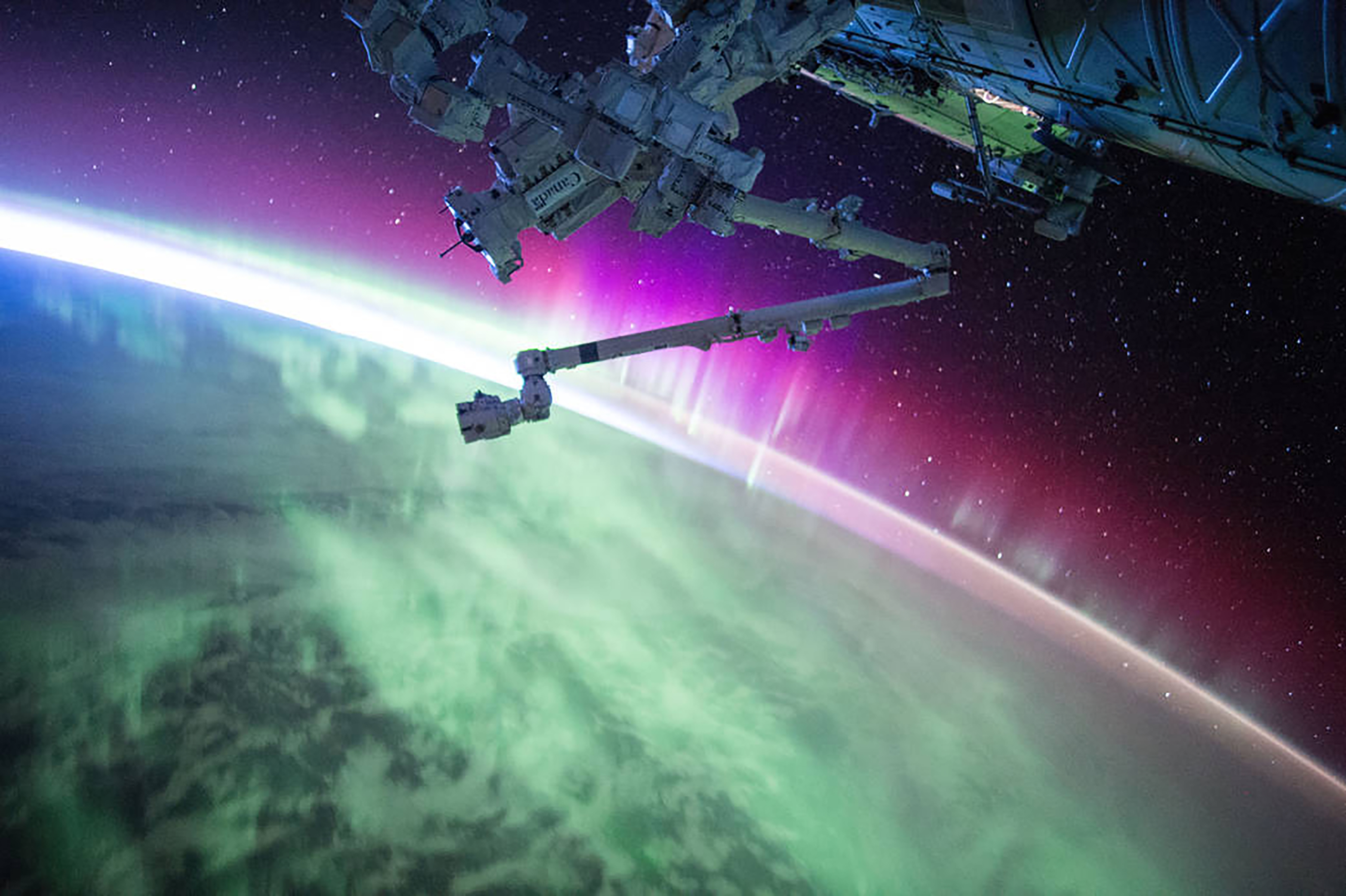 La aurora, captada en agosto de 2015 (Scott Kelly/NASA via The New York Times)