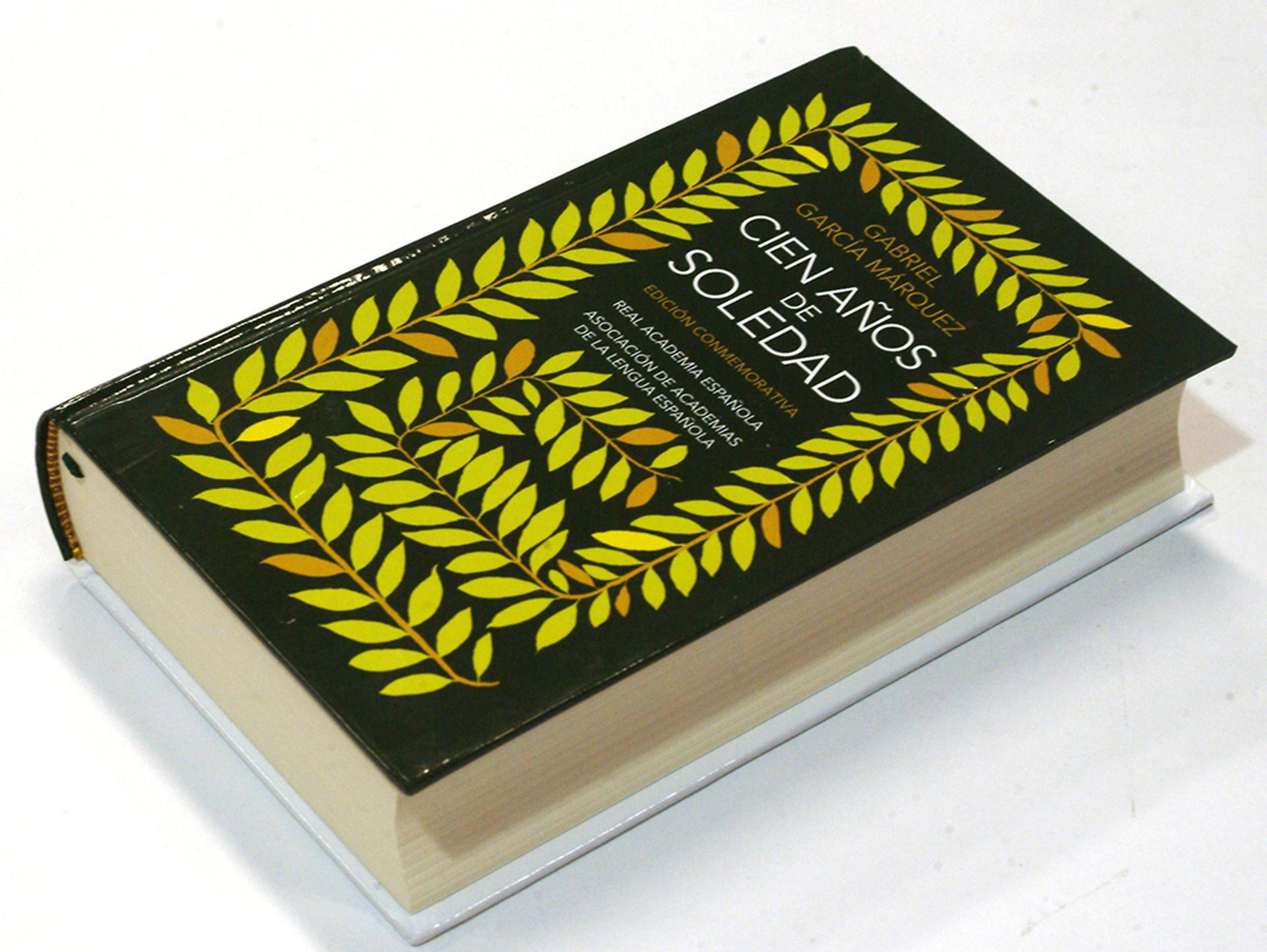 """Edición conmemorativa de """"Cien años de soledad"""", la novela más emblemática de Gabriel García Márquez que se publicó por primera vez en 1967"""