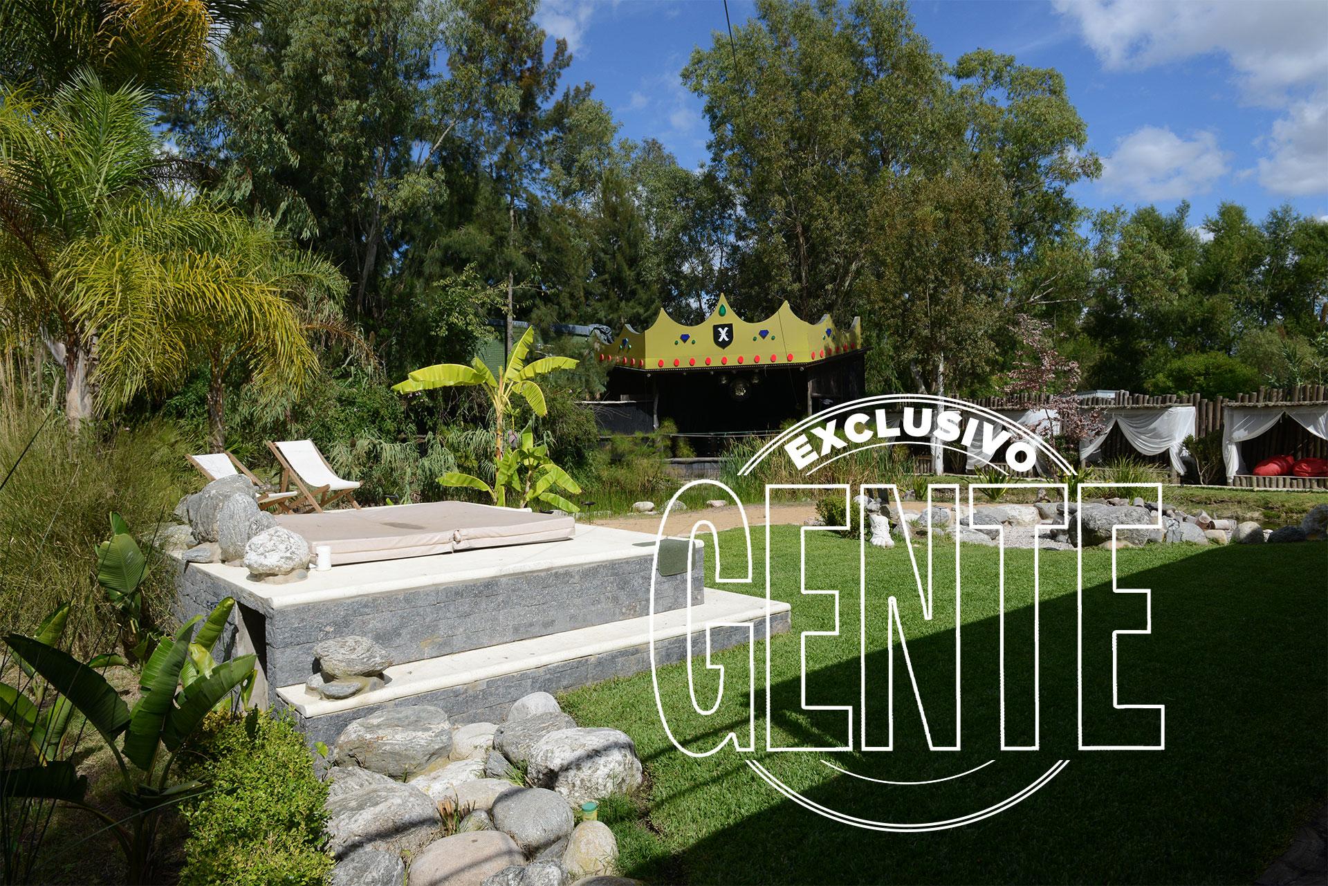 El jardín de Xanadú, con un escenario al fondo. Foto: Julio César Ruiz/GENTE