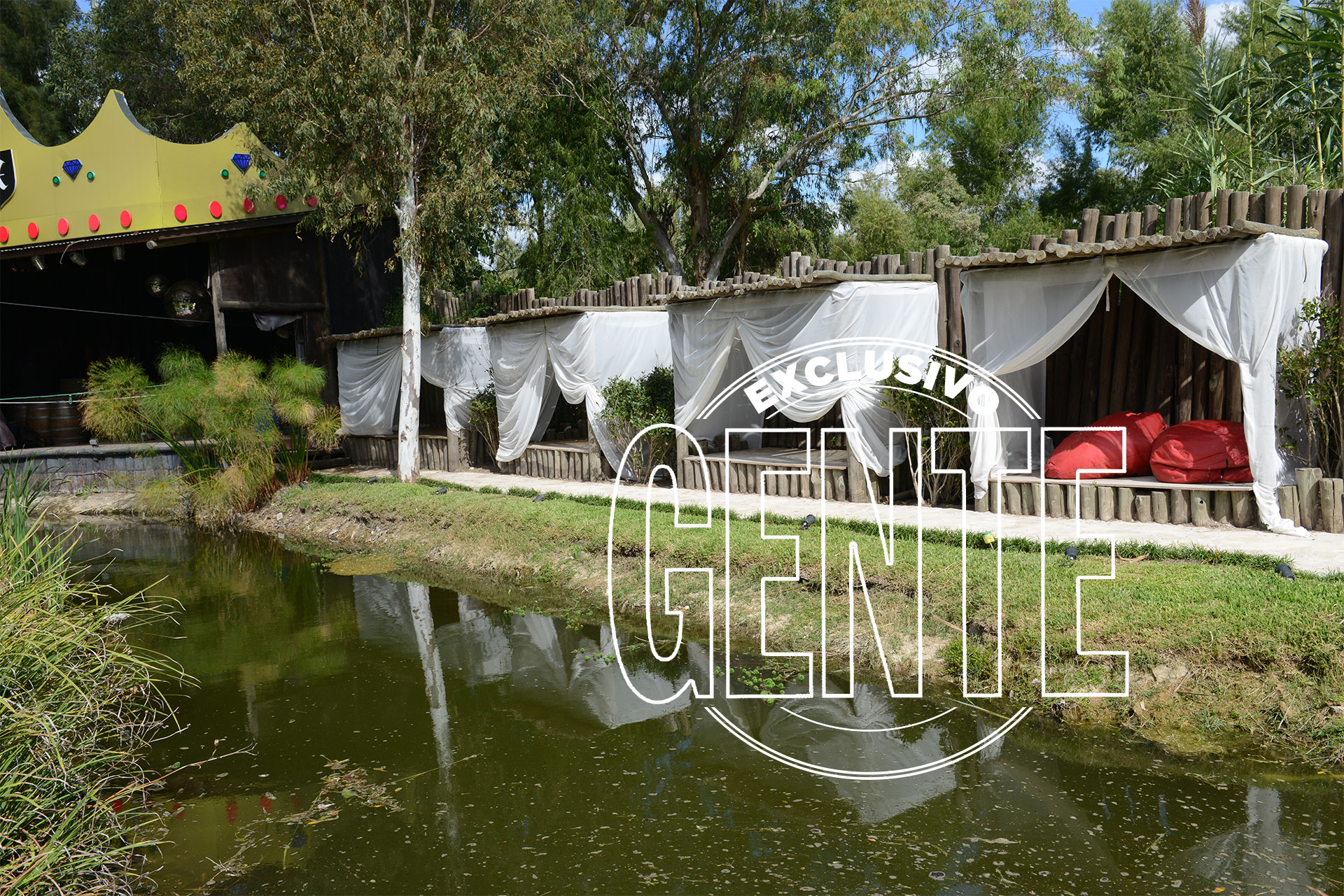 El jardín con laguna y gazebos. Foto: Julio César Ruiz/GENTE