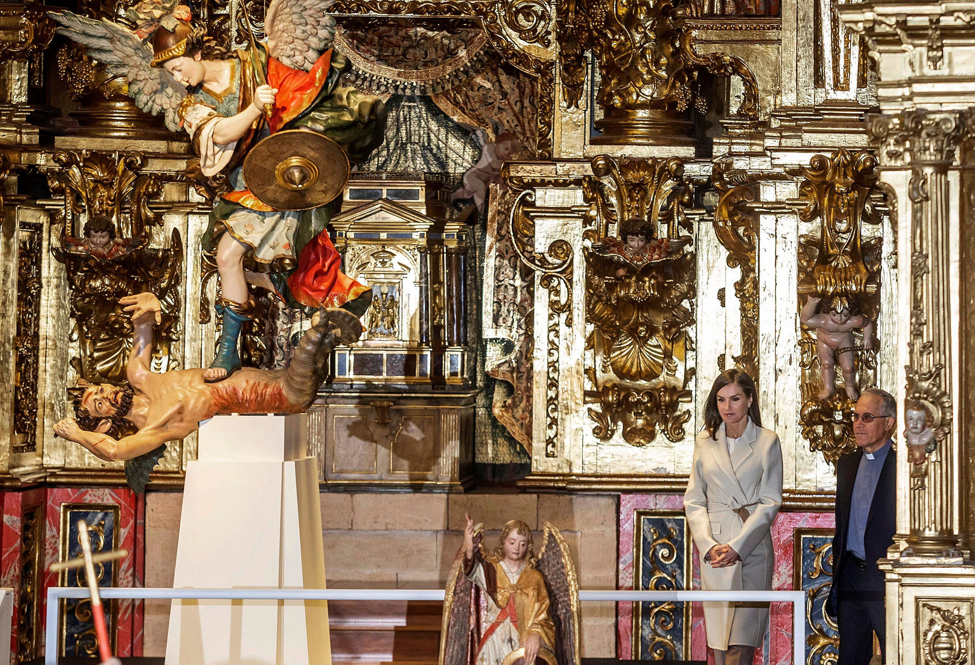 El Greco, Juan de Juni, Gregorio Fernández o Gil de Siloé son algunos de los pintores y escultores que están representados con sus obras en los tres espacios de la exposición, que podrá visitarse hasta el próximo mes de noviembre