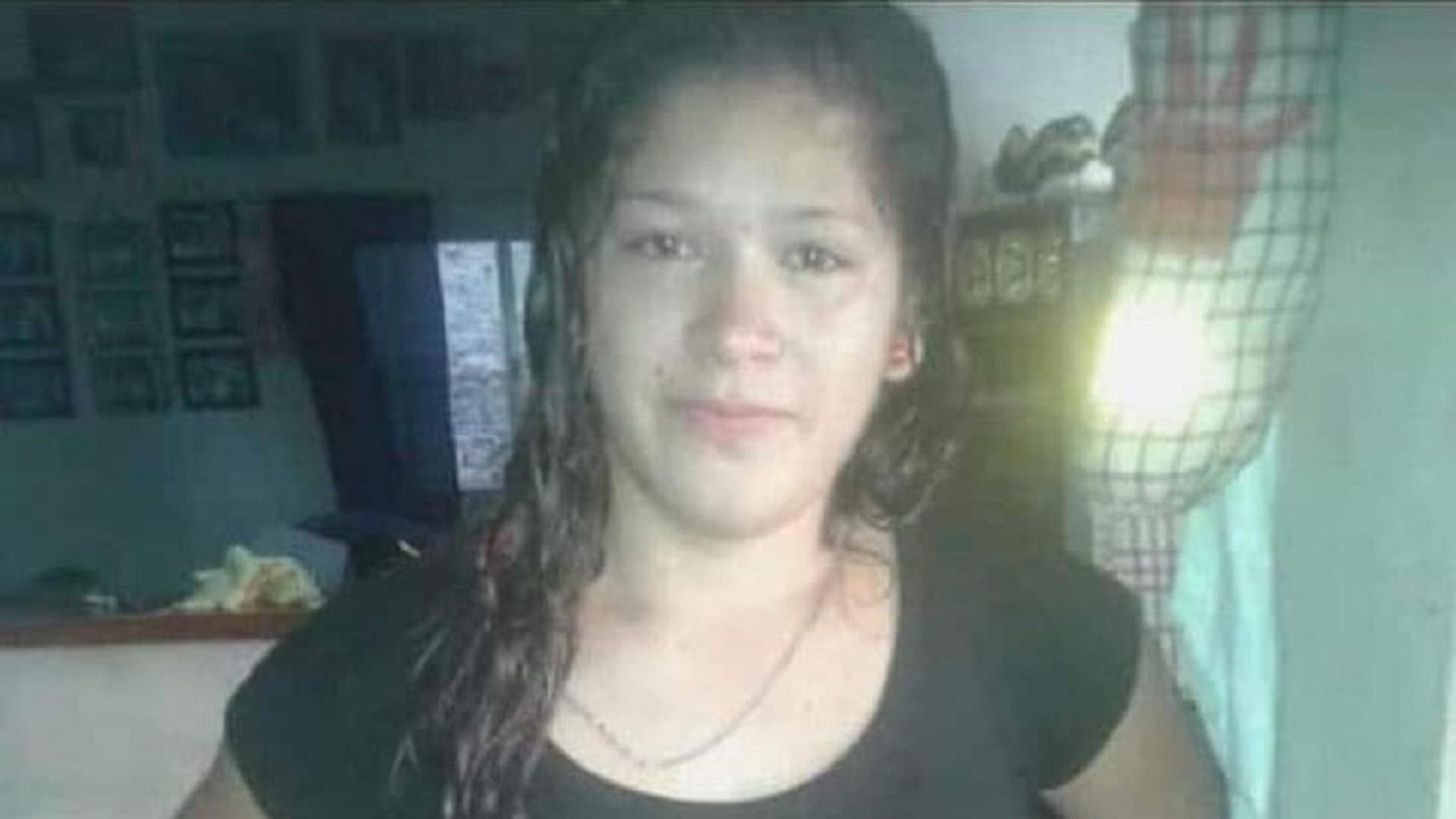 Jennifer Ibarra tiene 22 años y es hipoacúsica