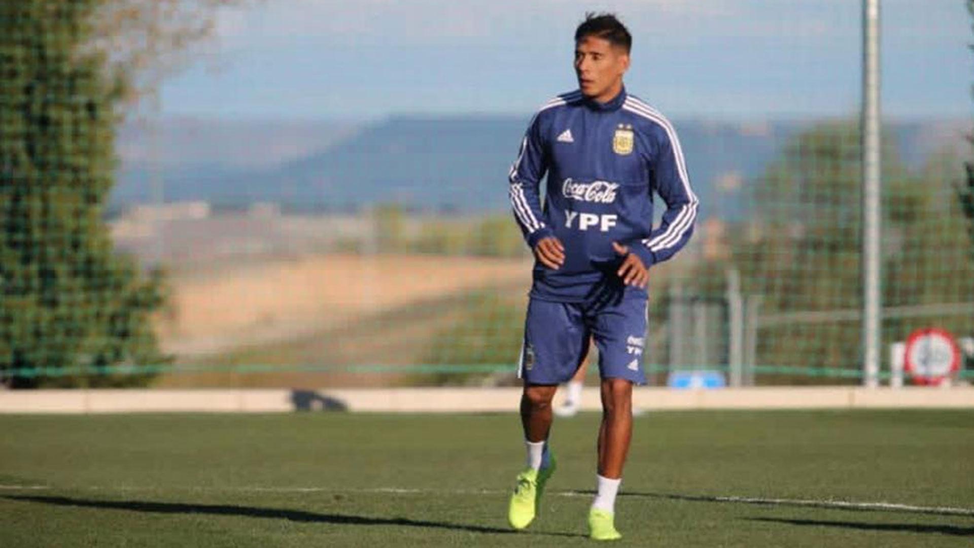 Tras sufrir un desgarro, Zaracho podría quedarse afuera de la lista preliminar (@Argentina)