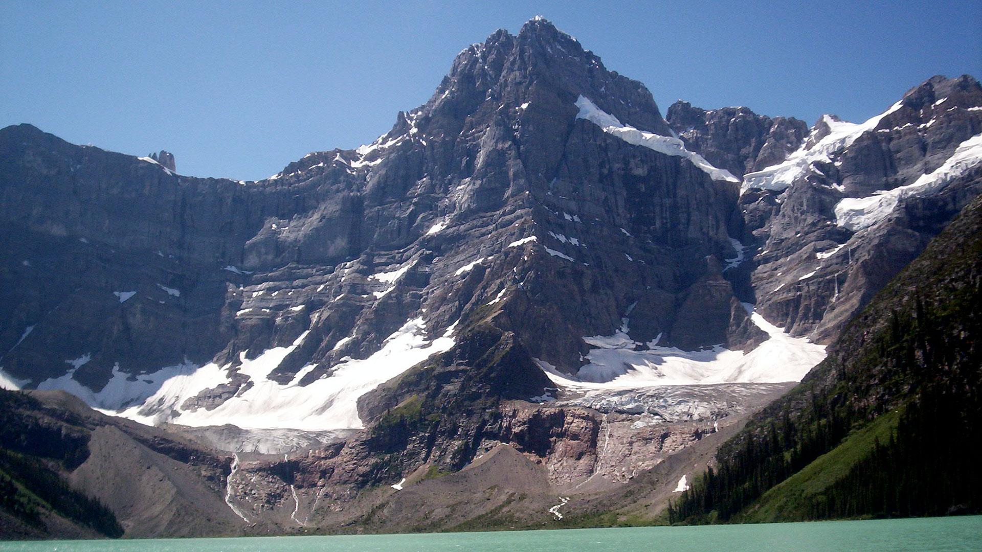 Howse Peak, la montaña en la que se produjo la avalancha