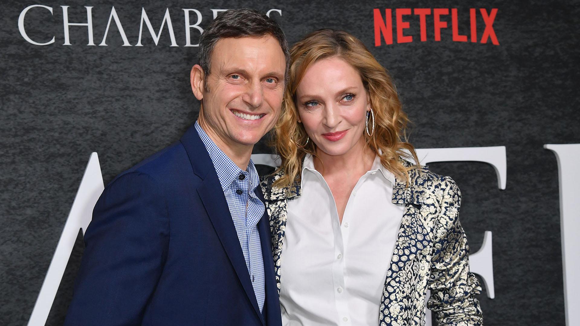 """Los actores protagónicos Uma Thurman y Tony Goldwyn a su llegada a la premiere """"Chambers"""" en Nueva York"""
