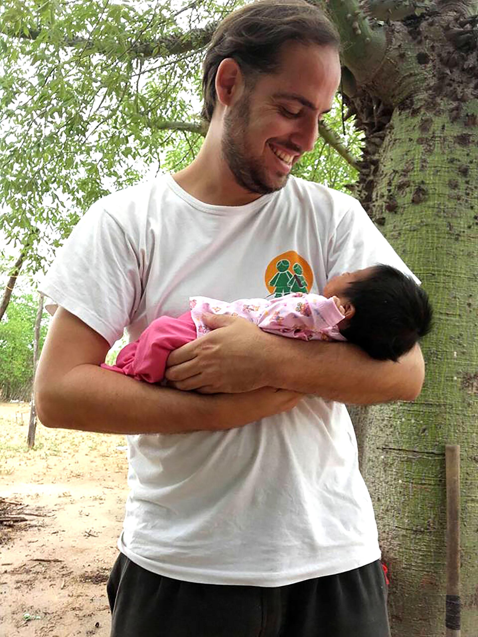 Diego lidera Pata Pila desde fines del 2014 y en el NOA combate la desnutrición infantil
