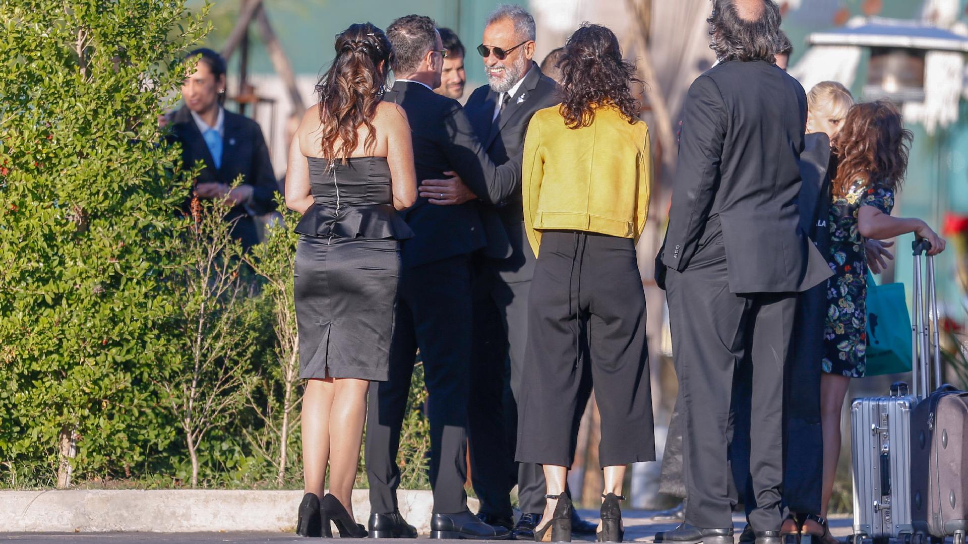 Jorge Rial recibiendo a sus amigos