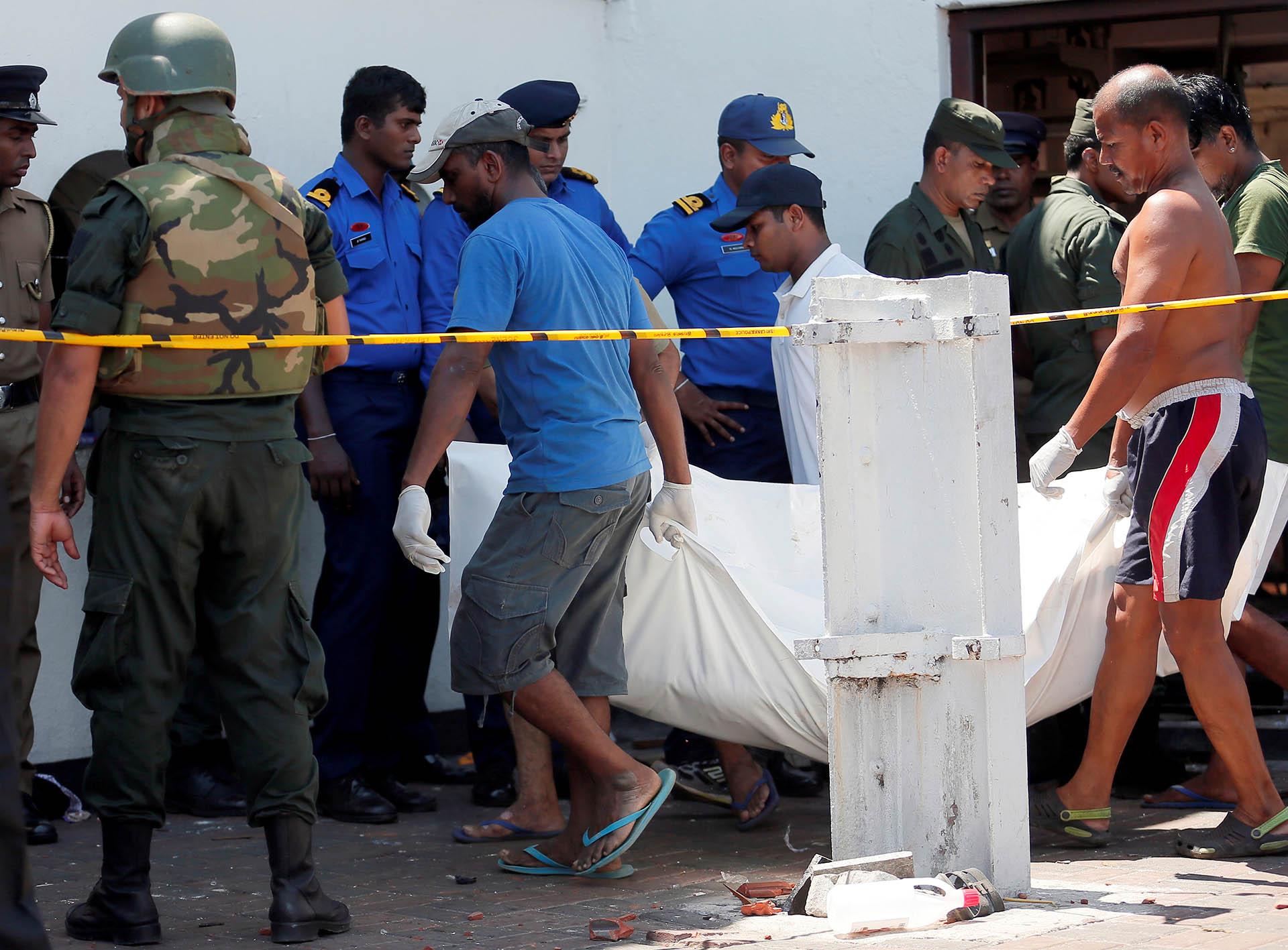 Hasta el momento han muero 290 personas. Hay además 500 heridos (Reuters)