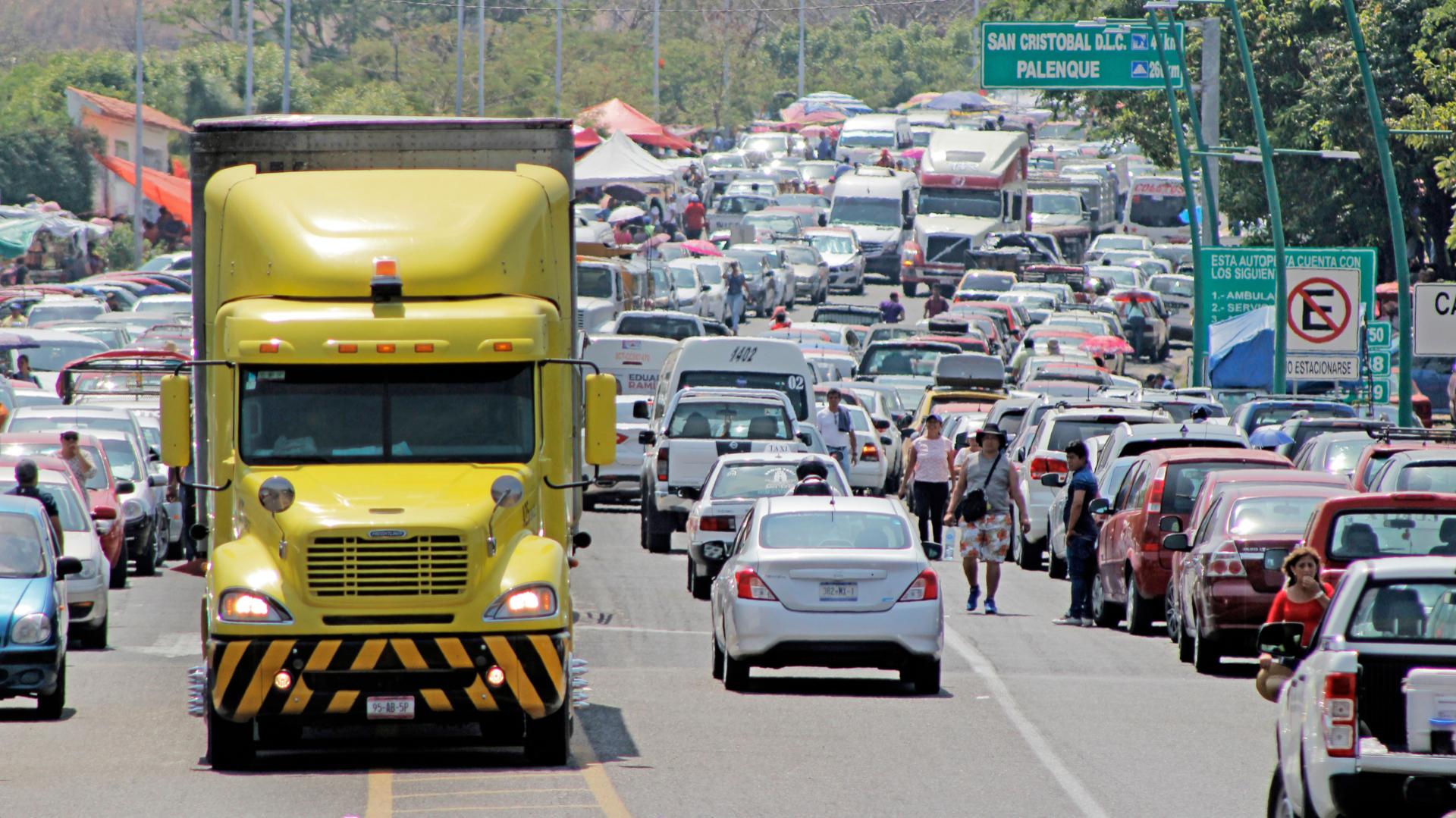 Las autopistas que conectan a CDMX con varios estados registraron aumento de vehículos por el fin de la temporada vacacional de Semana Santa (Foto:JACOB GARCÍA /CUARTOSCURO.COM)
