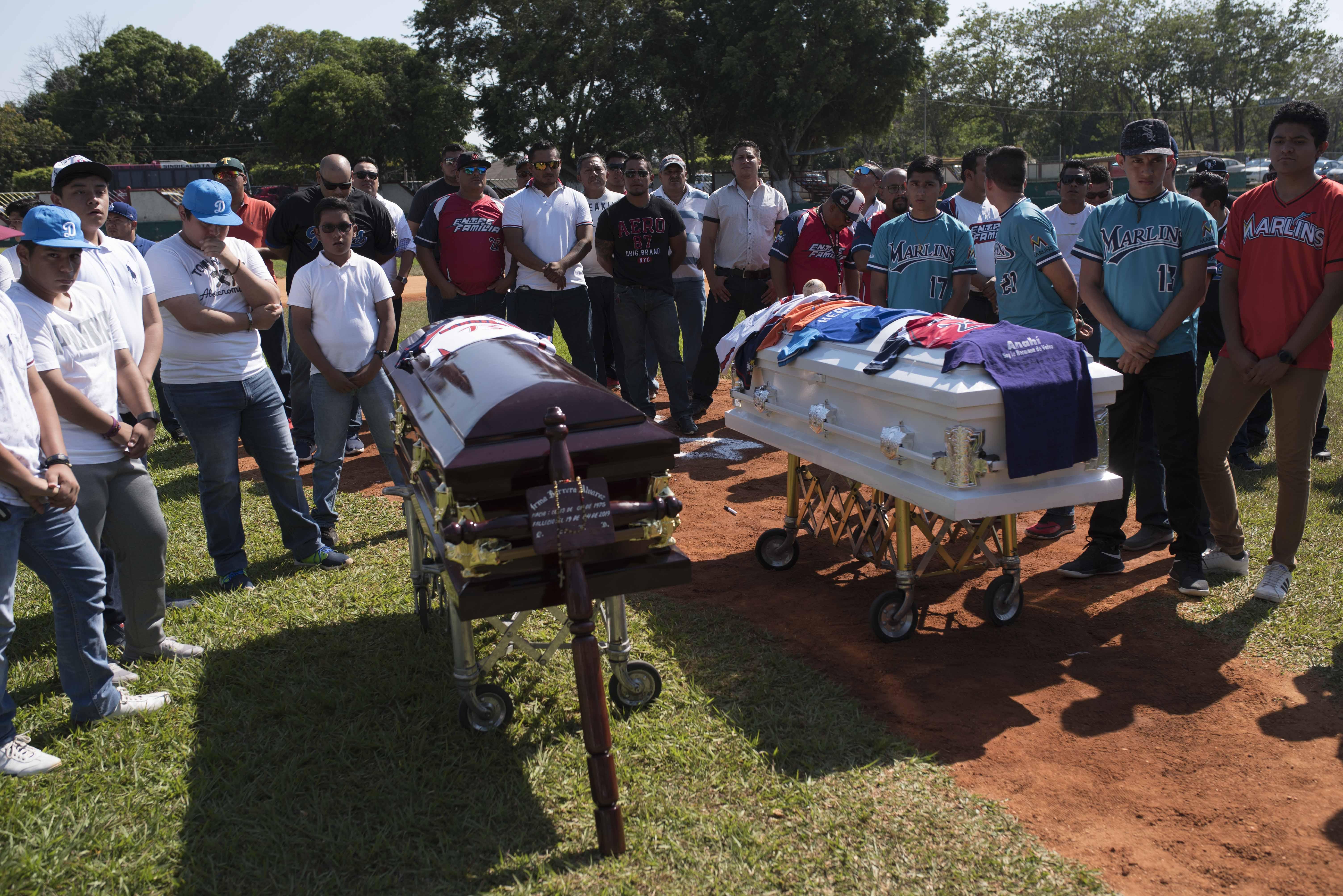 """En el panteón de la colonia Tacoteno también enterraron los restos de """"Becky Rin"""" (Foto: Cuarto Oscuro)"""
