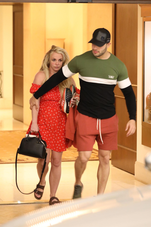 Una de las últimas fotos de Britney Spears con su novio Sam Asghari (The Grosby Group)