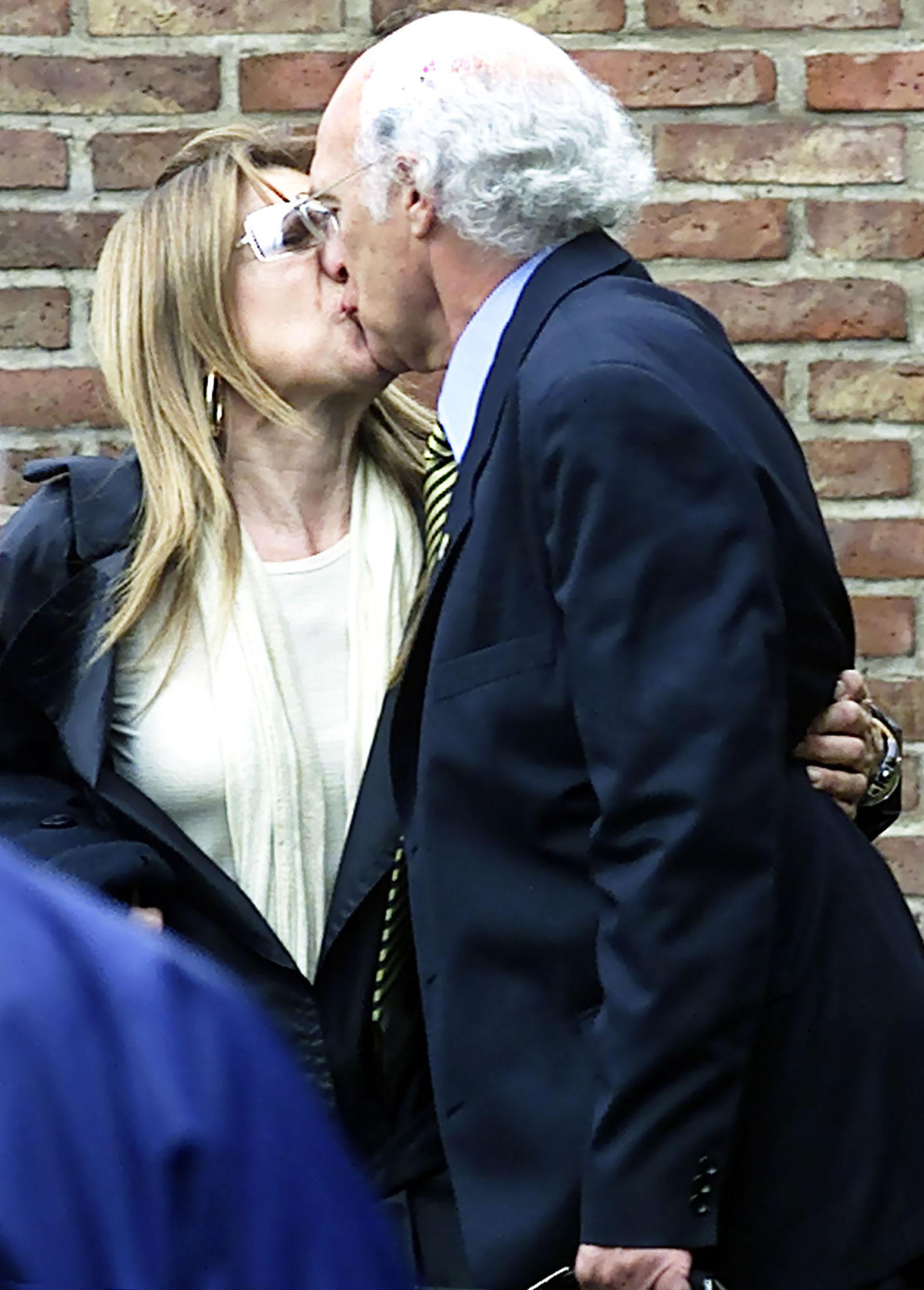 El beso de la pasión: Carlos Bianchi y su esposa Margarita, con quien tuvo dos hijos: Mauro y Brenda