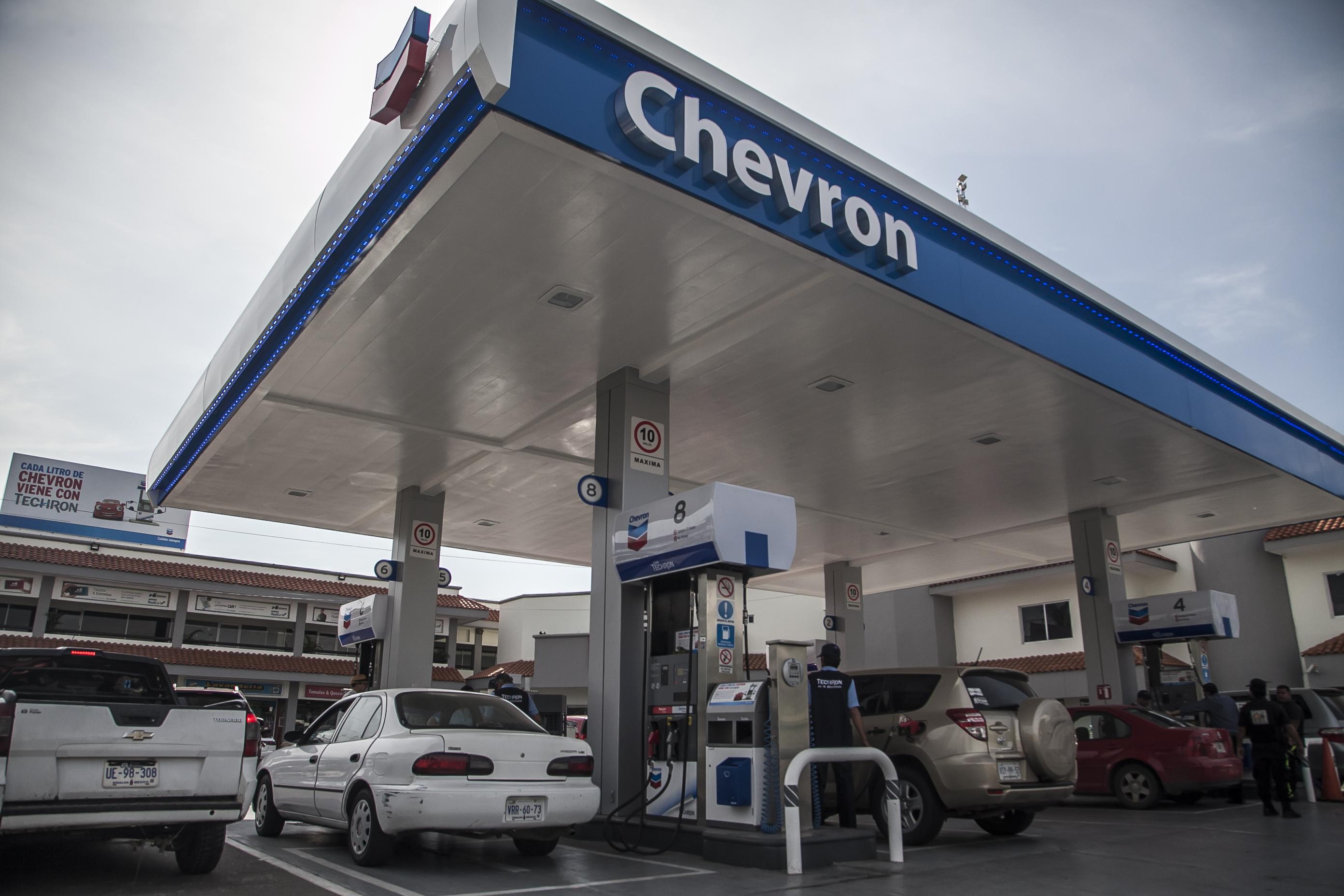 AMLO expuso las estaciones de servicio, de gasolina, más caras y baratas del país (FOTO: RASHIDE FRIAS /CUARTOSCURO)