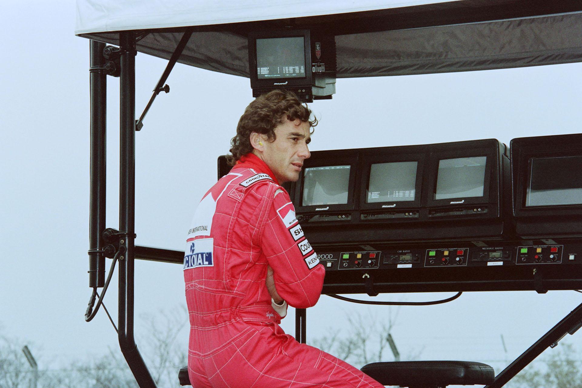 El brasileño Ayrton Senna, un estudioso de los tiempos y de los autos que piloteaba