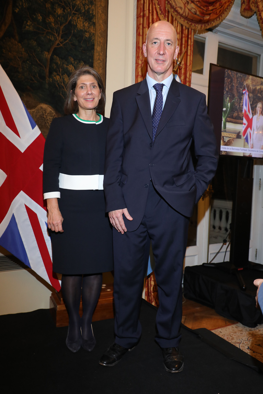 El embajador Mark Kent y su mujer Martine fueron los grandes anfitriones de la celebración, que contó con la presencia de más de800invitados
