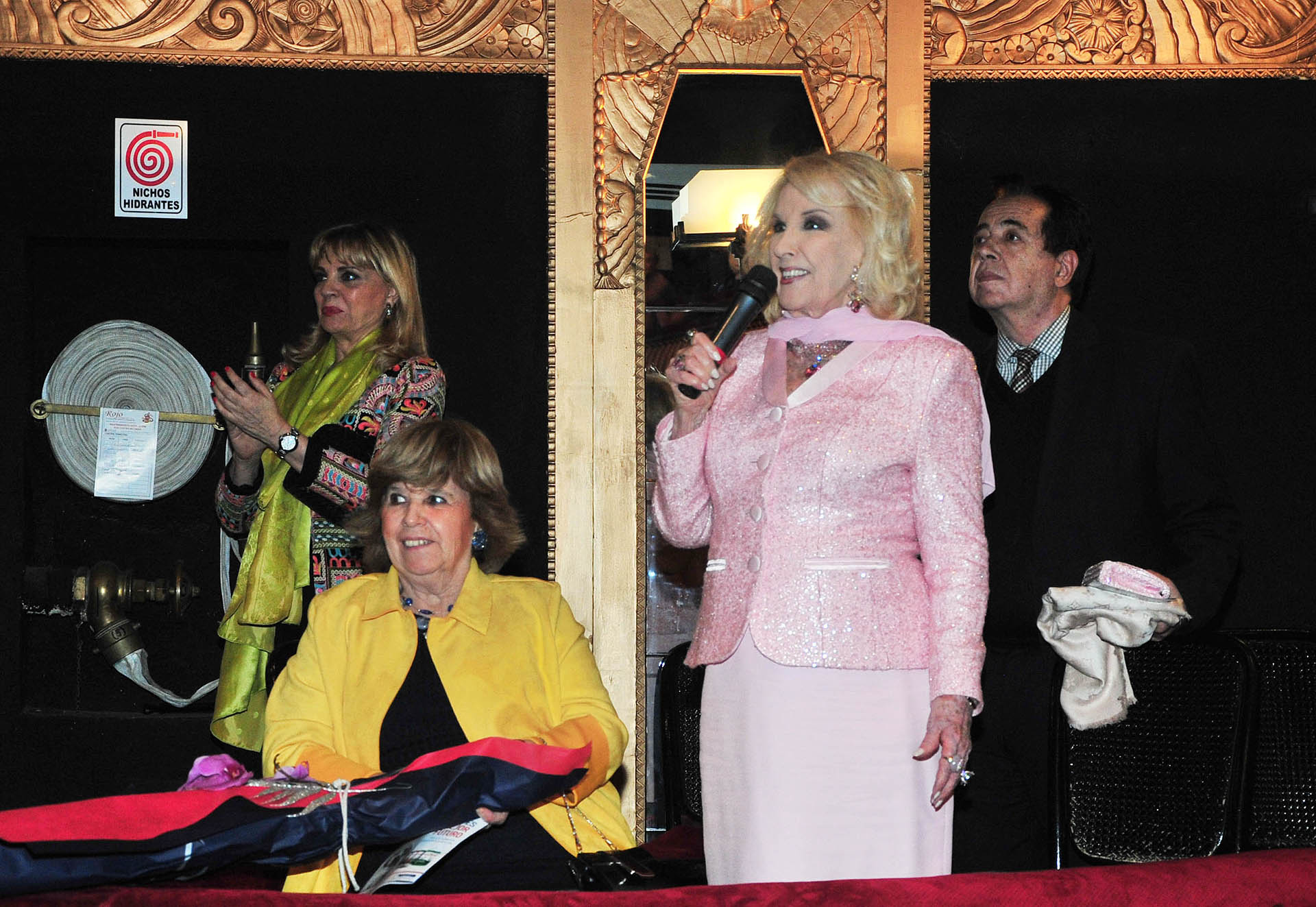 Mirtha Legand