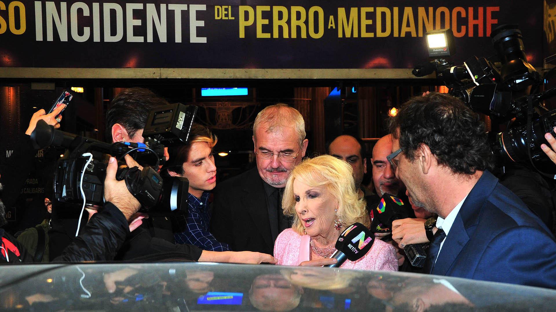Mitha Legrand dialogó con la prensa al retirarse de ver la obra