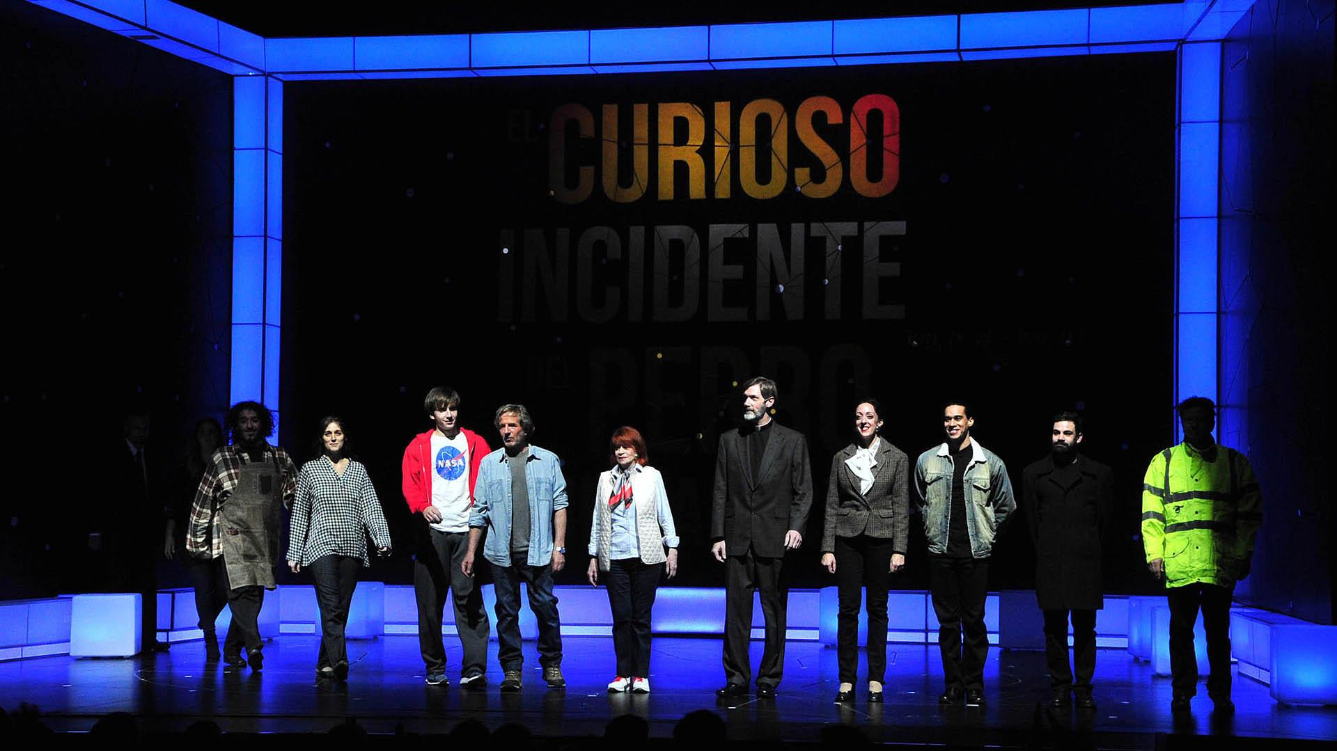 """Todo el elenco de """"El curioso incidente del perro a medianoche"""" (Fotos: Verónica Guerman / Teleshow)"""