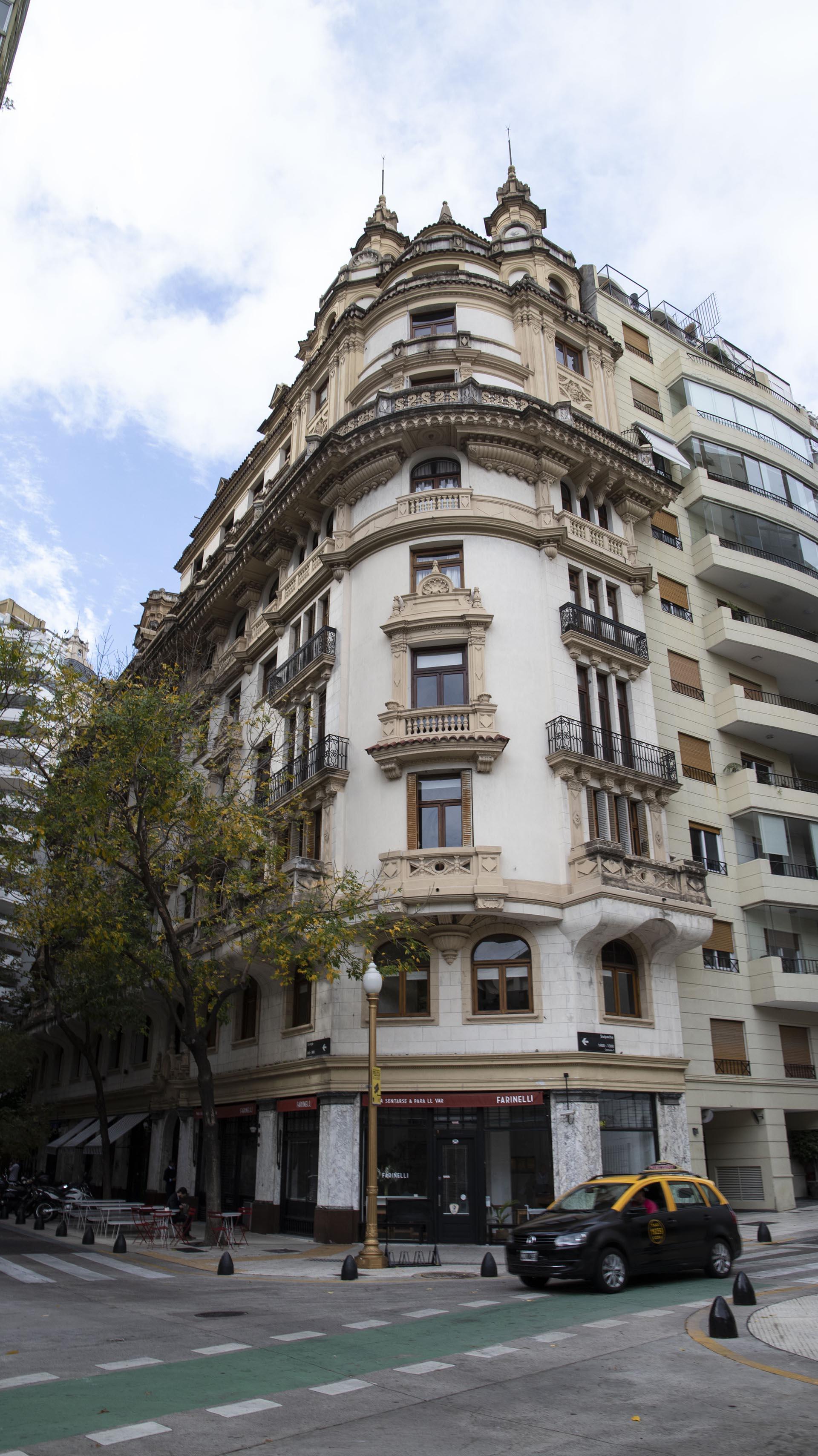 La esquina clásica de Retiro fue construida en 1920