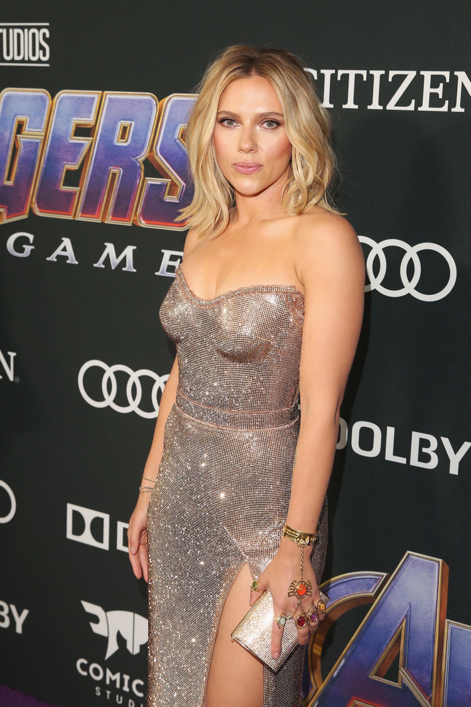 Scarlett Johansson súper sexy.