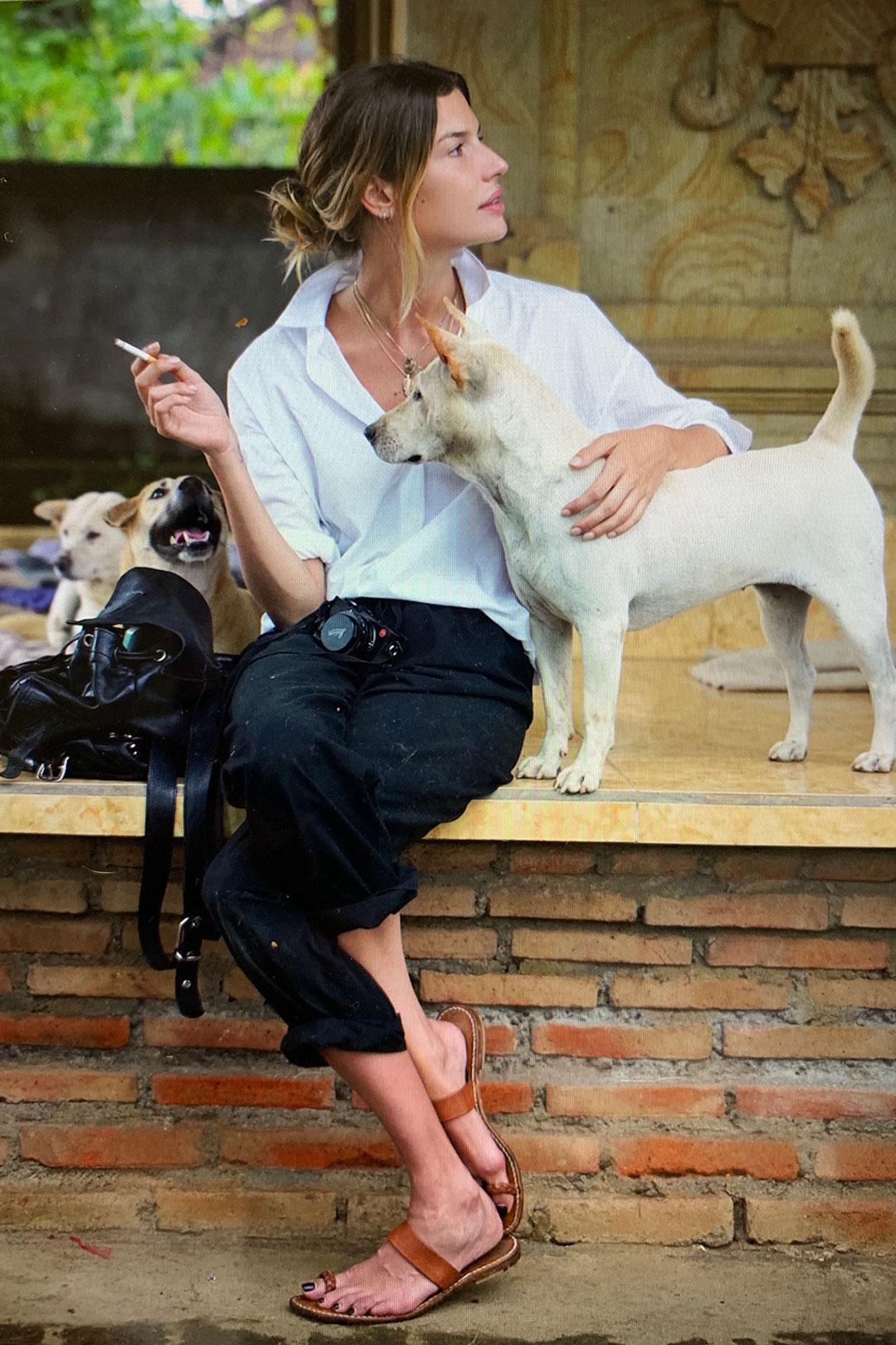 El rodaje comenzó a mediados del mes pasado en Bali, un lugar que Chloé supo recorrer en varias oportunidades a lo largo de su vida