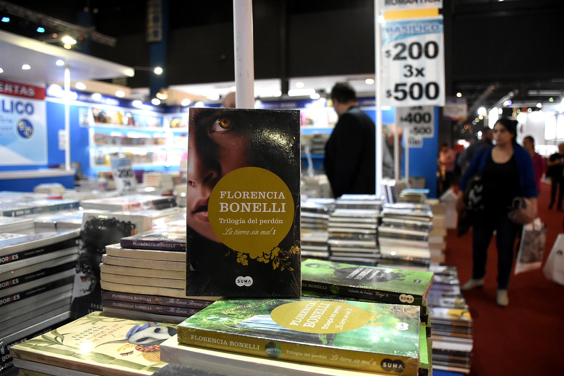 Libros de Florencia Bonelli a $200 en Basílico (Nicolás Stulberg)