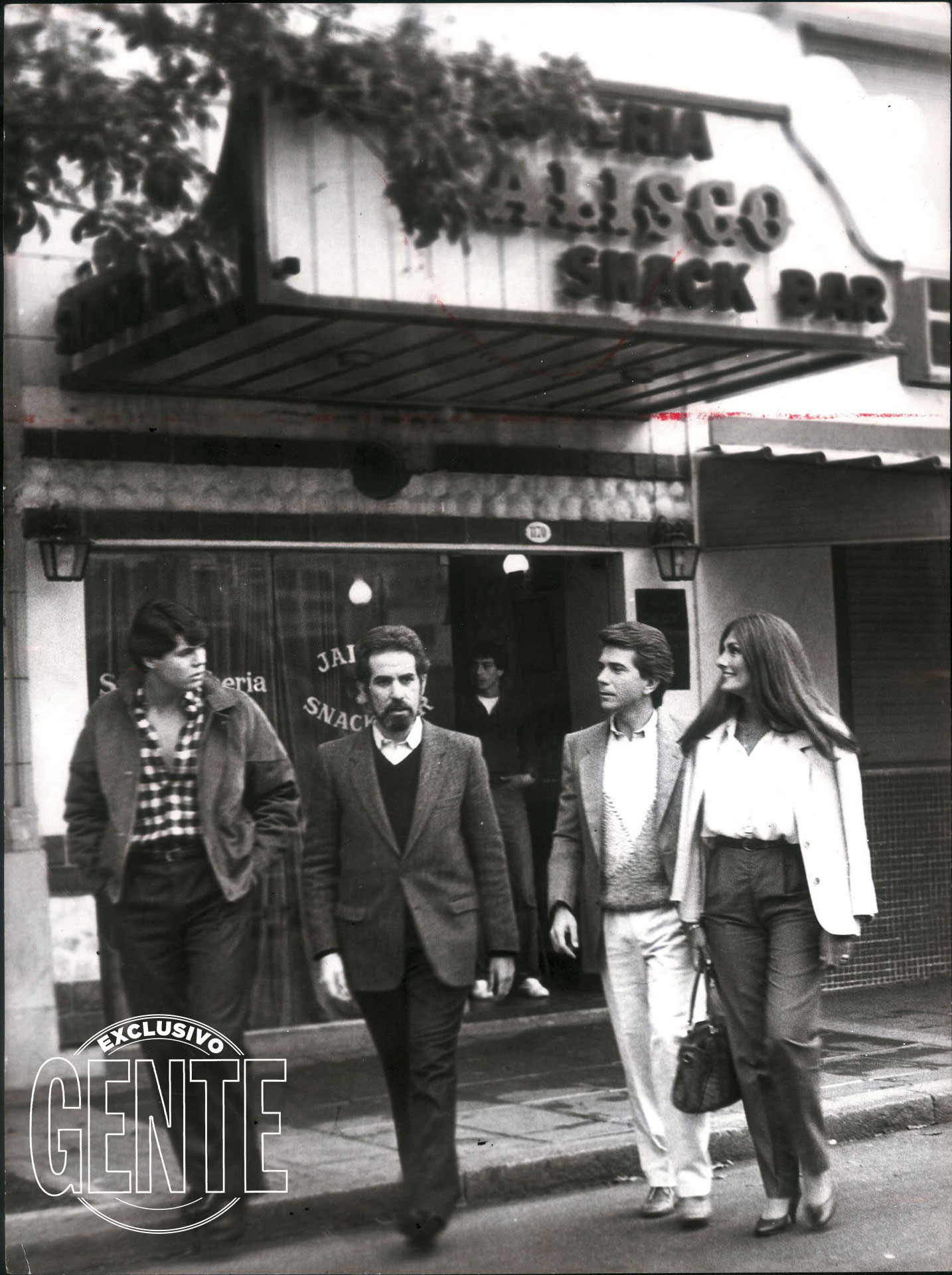 """En los 80's, como integrante de Badía y compañía, con Pepe Eliaschev y Silvia Fernández Barrio.""""Beto vio en mí cosas que ni yo veía. Me dijo que tenía que hacer tele, cuando yo –muerto de vergüenza– quería hacer radio. Te extraño, Beto"""" (2012)"""