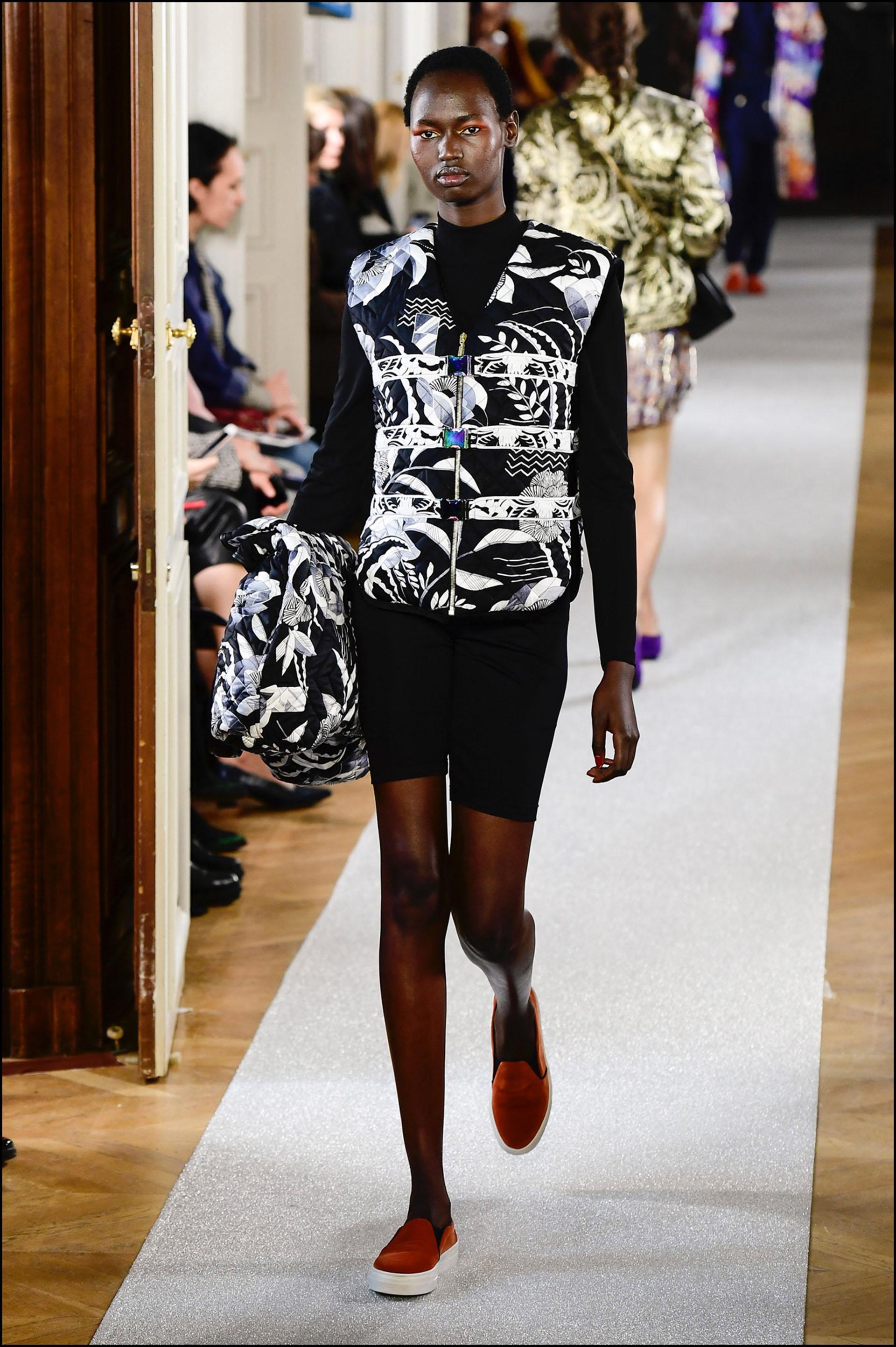 En la colección Leonard, en el desfile de la semana de la moda parisina.