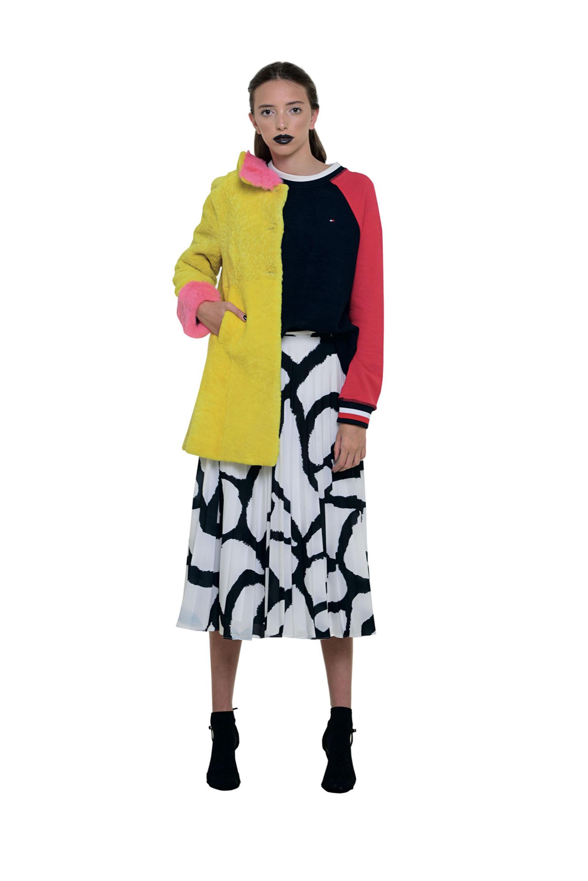 Falda midi, muy onda años cincuenta.