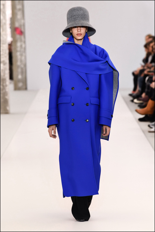 Tapado XL de la colección deNina Ricci, en la semana de la moda de París.