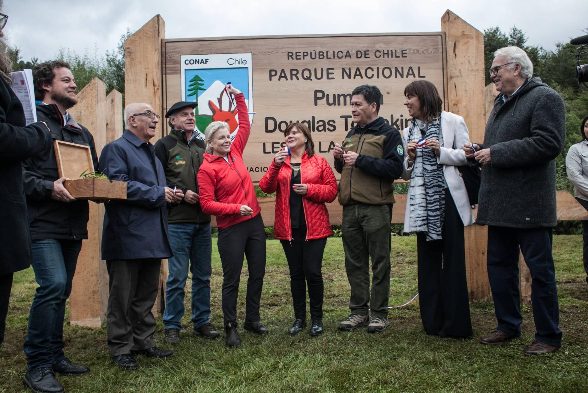 Kris Tompkins durante el acto de donación de tierras a Chile. (FUNDACIÓN TOMPKINS)