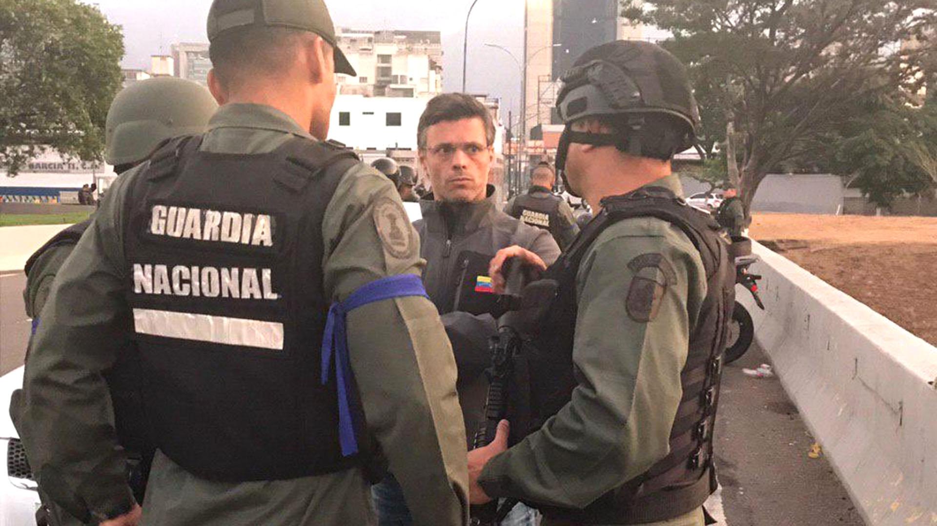 Agentes de la GNB escoltaron a Guaidó y López (@leopoldolopez)