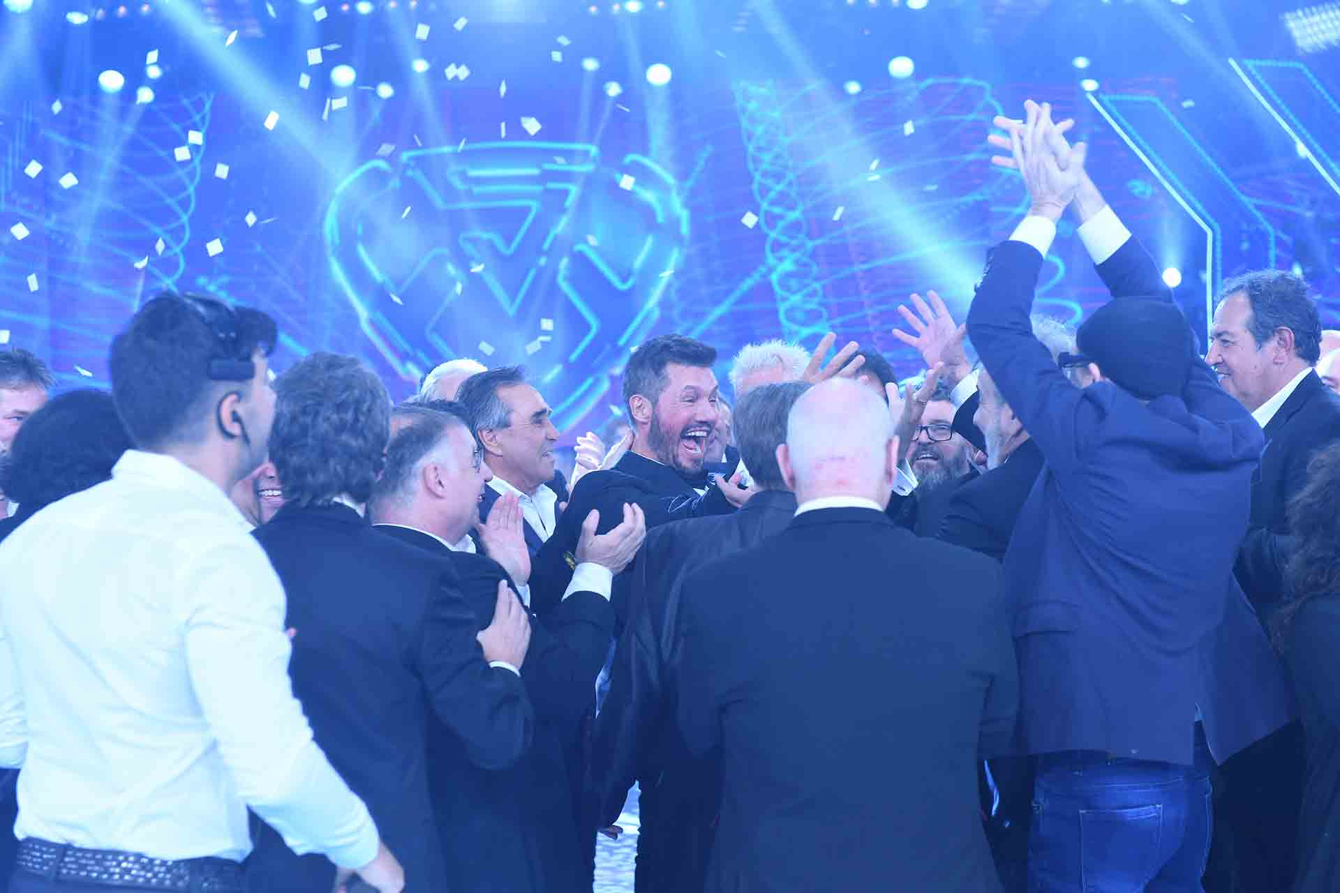 Toda la emoción de Tinelli y su equipo en la apertura del Show.