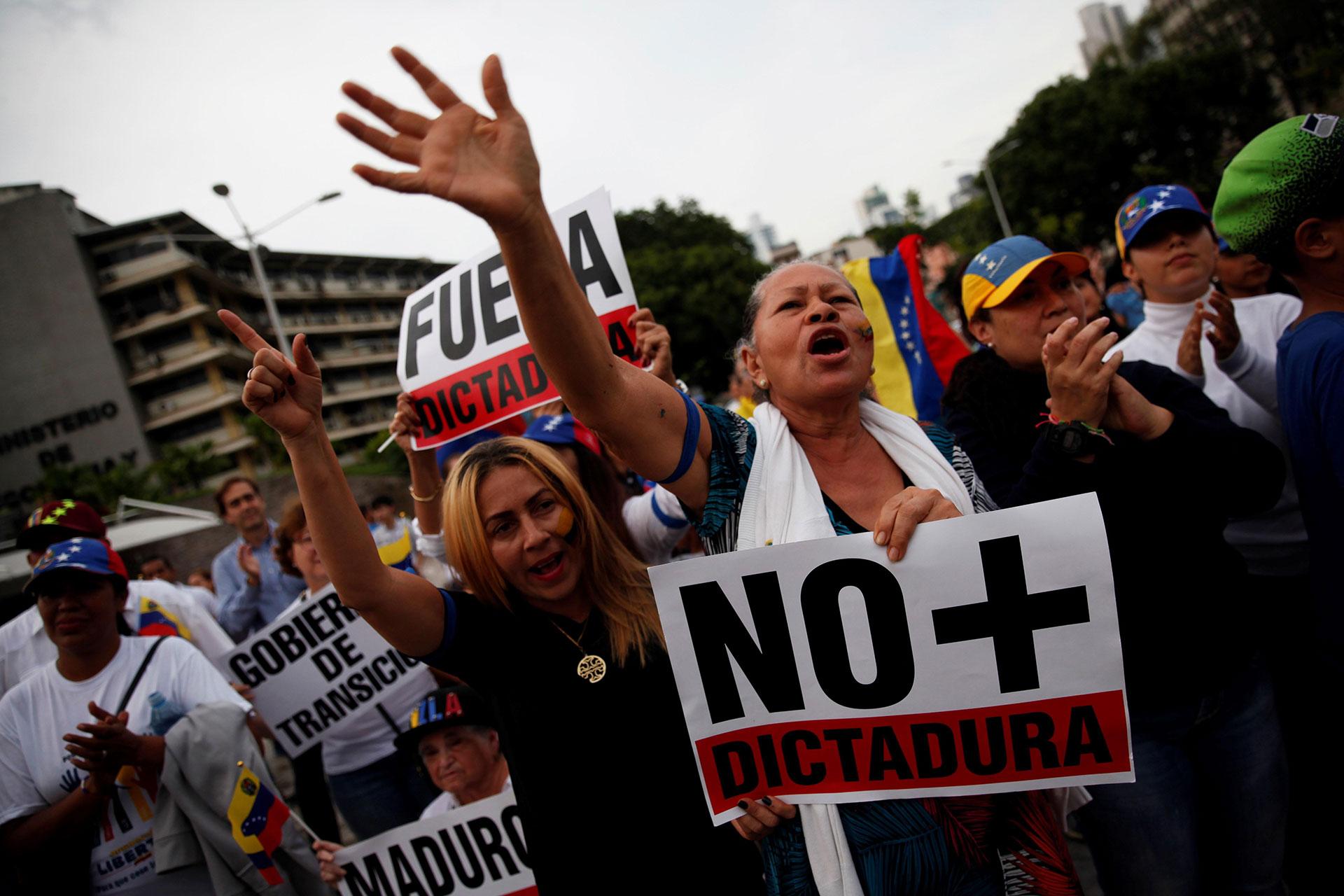 Los venezolanos en el mundo protestan contra Maduro