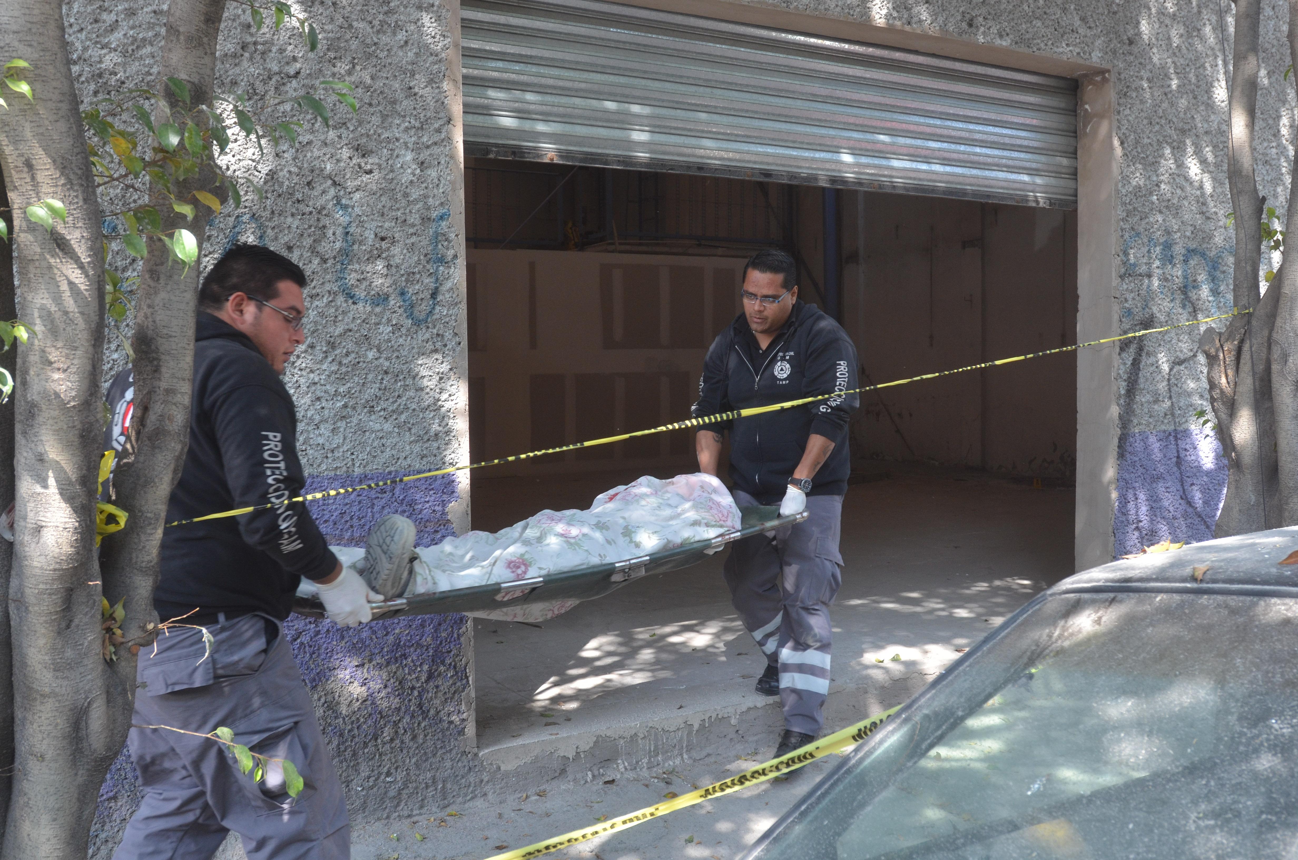 Un albañil murió al caer de un andamio en una obra en construcción, cuando resanaba la pared del edificio ubicado en la calle Norte 12, número 4412, colonia Guadalupe Victoria (Foto: Cuartoscuro)