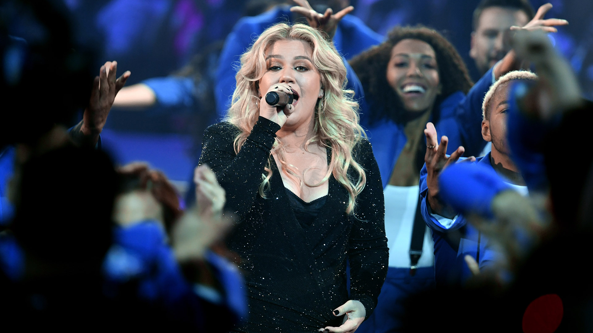 Host Kelly Clarkson (Kevin Winter/Getty Images for dcp/AFP)