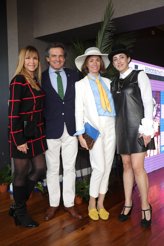Elena Fortabat, Claudio Rígoli, Verónica Quintana y Geraldine Cunto
