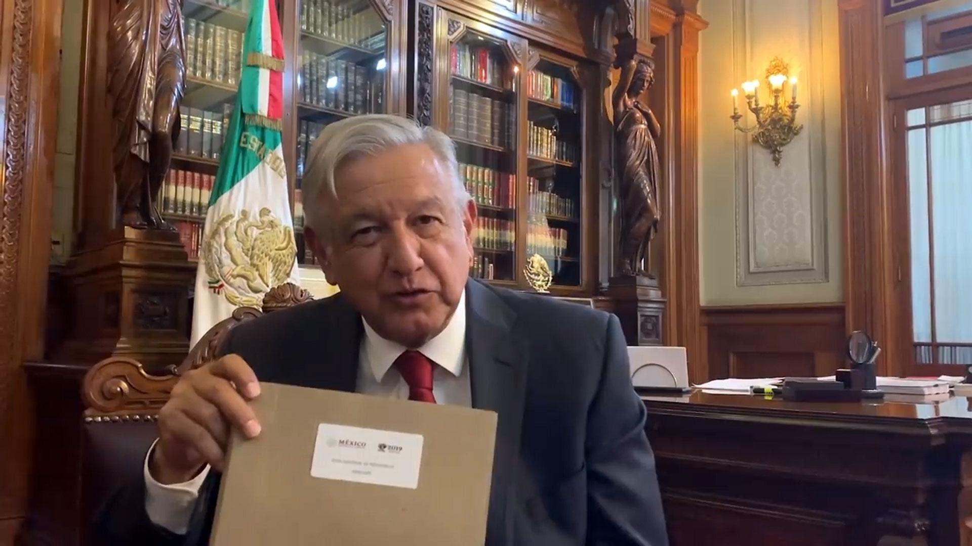 Lopez Obrador presento su plan nacional de desarrollo.