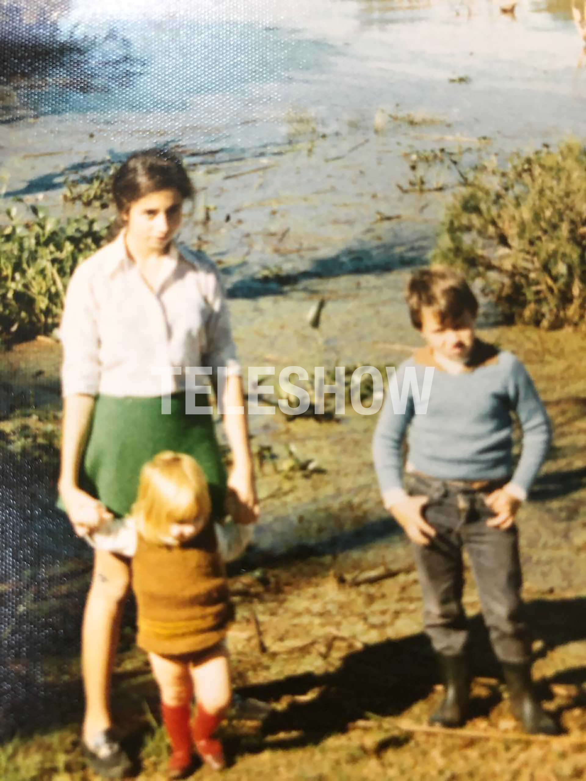 Sergio Lapegüe con su mamá y su hermana menor