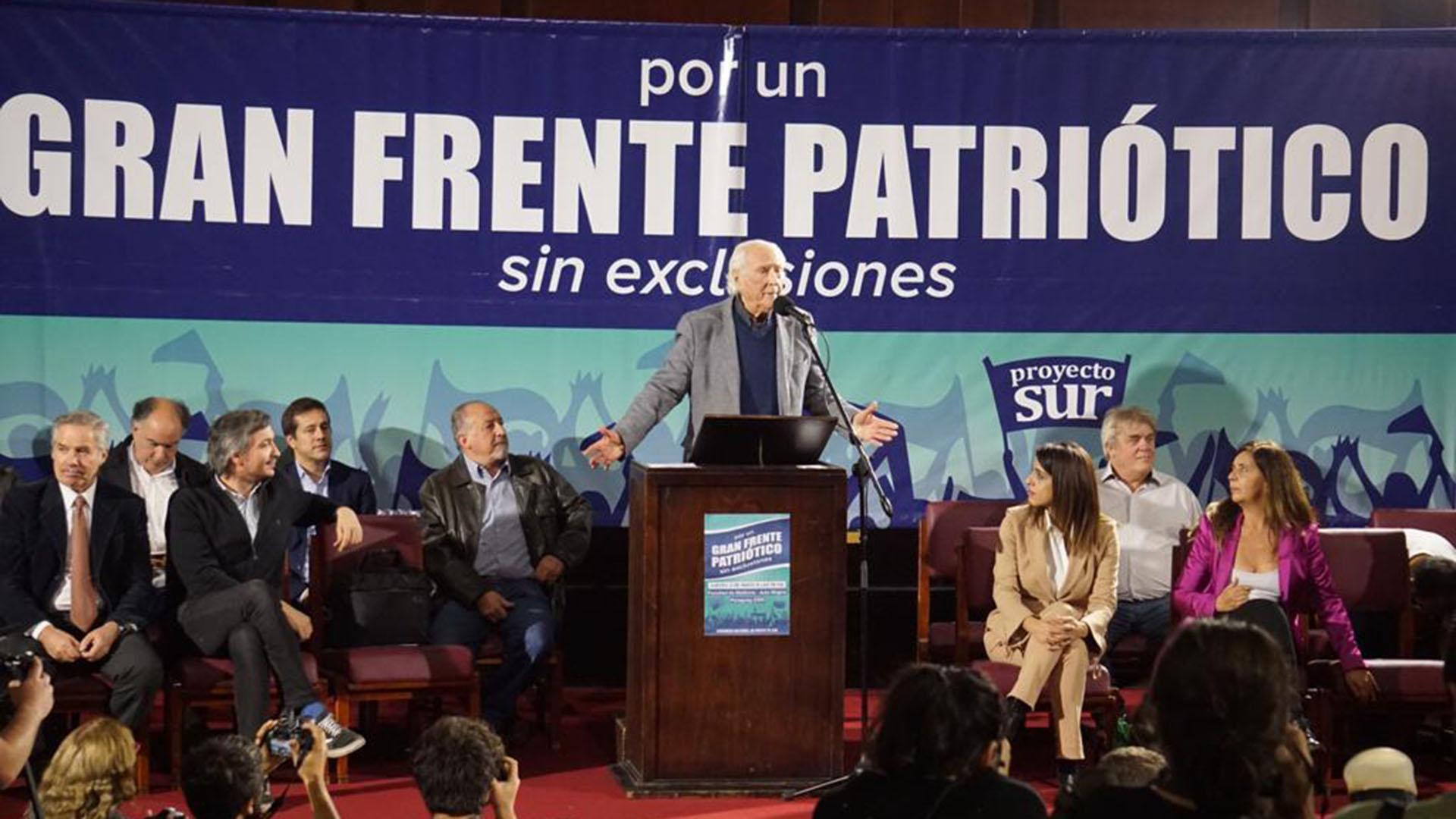 Pino Solanas acompañará al kirchnerismo en la ciudad de Buenos Aires