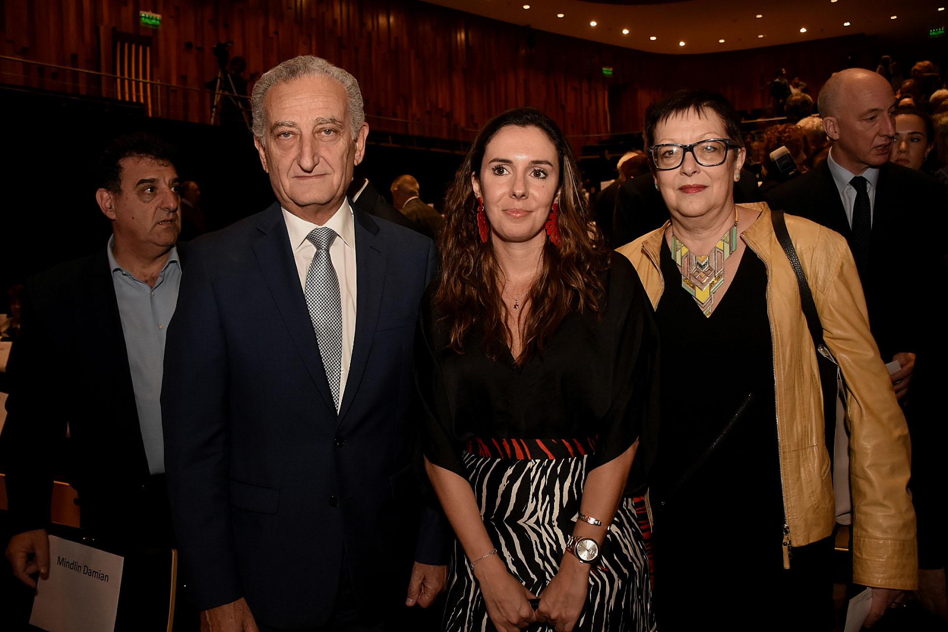 El ex presidente de la DAIA, Aldo Donzis, y la embajadora de Venezuela Elisa Trotta