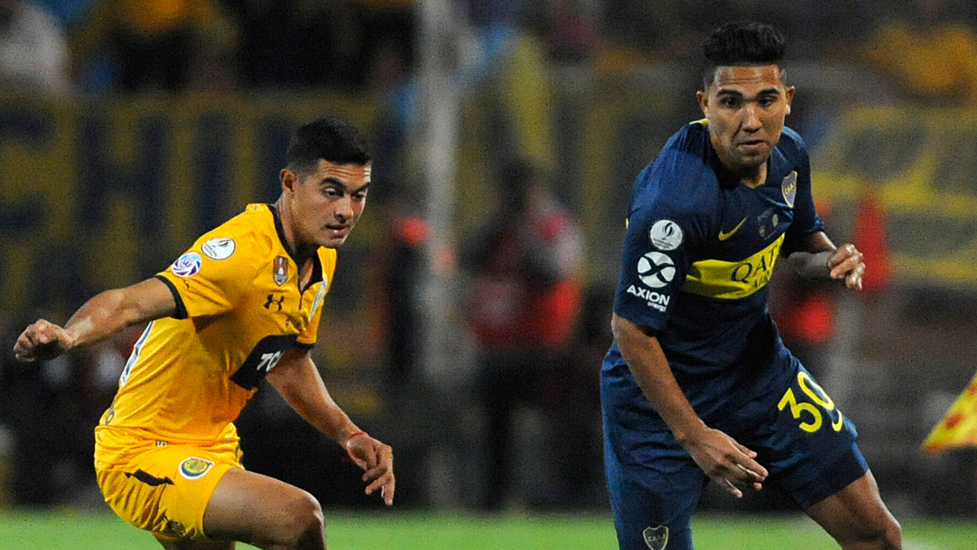 Reynoso no tuvo un gran partido y fue reemplazado por Carlos Tevez (Foto Baires)