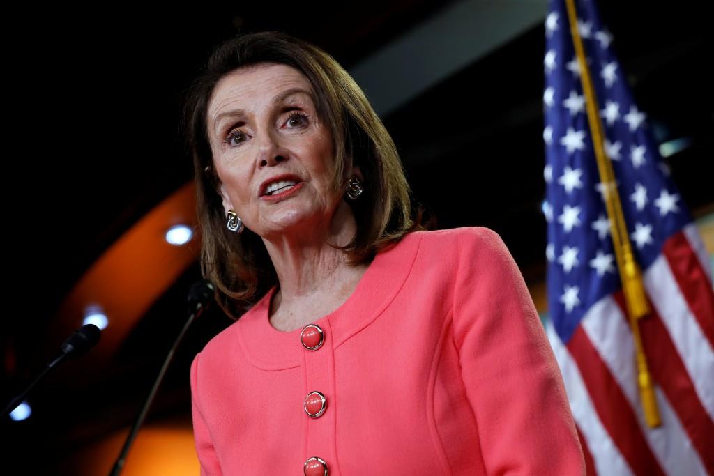 Nancy Pelosi, presidente de la Cámara de Representantes durante la conferencia de prensa en el Capitolio (REUTERS/Yuri Gripas)