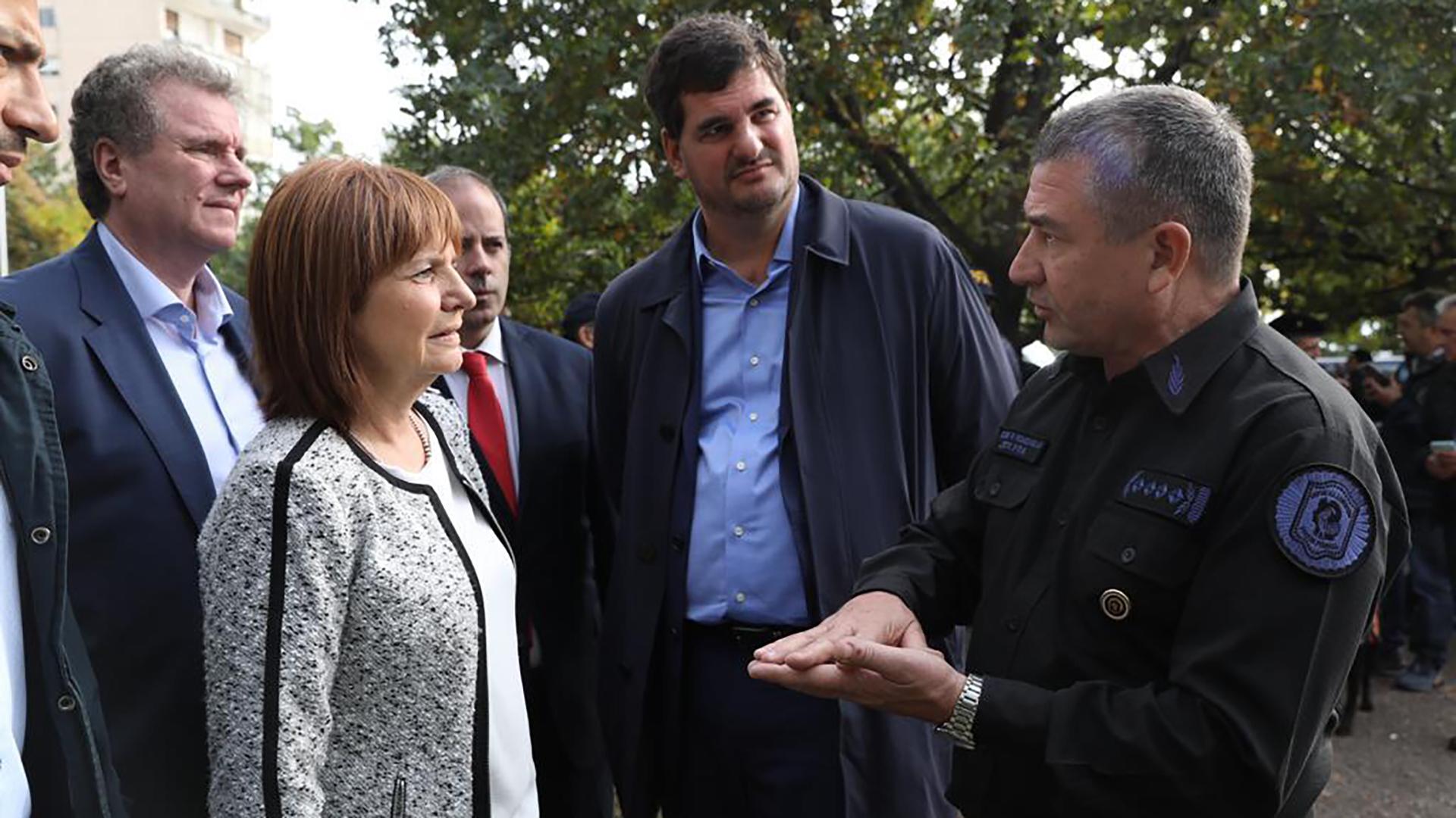 Gerardo Milman, Patricia Bullrich, Eugenio Burzaco y Néstor Roncaglia en Rosario