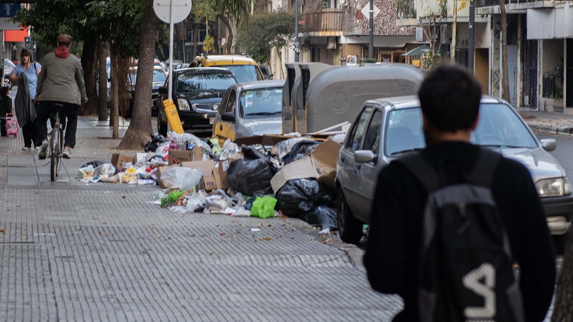 Cotidianamente se recolectan unas 4.000 toneladas de residuos húmedos, que son trasladados a tres estaciones de transferencia.