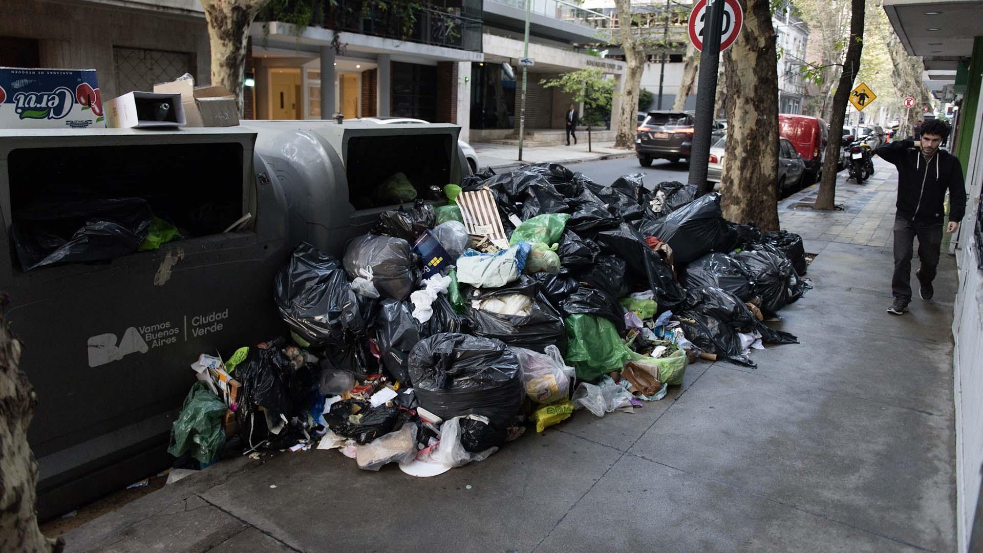 """""""Cuando un día no se recolecta la basura, tarda un día y medio en volver a la normalidad"""", agregó Macchiavelli."""